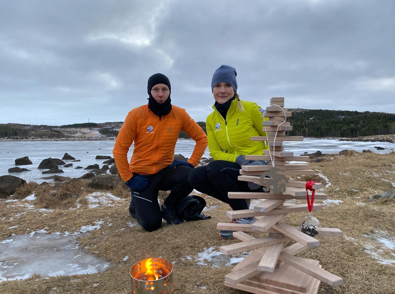Tveir hlauparanna, Einar Rafn Viðarsson og María Kristín Gröndal, við …