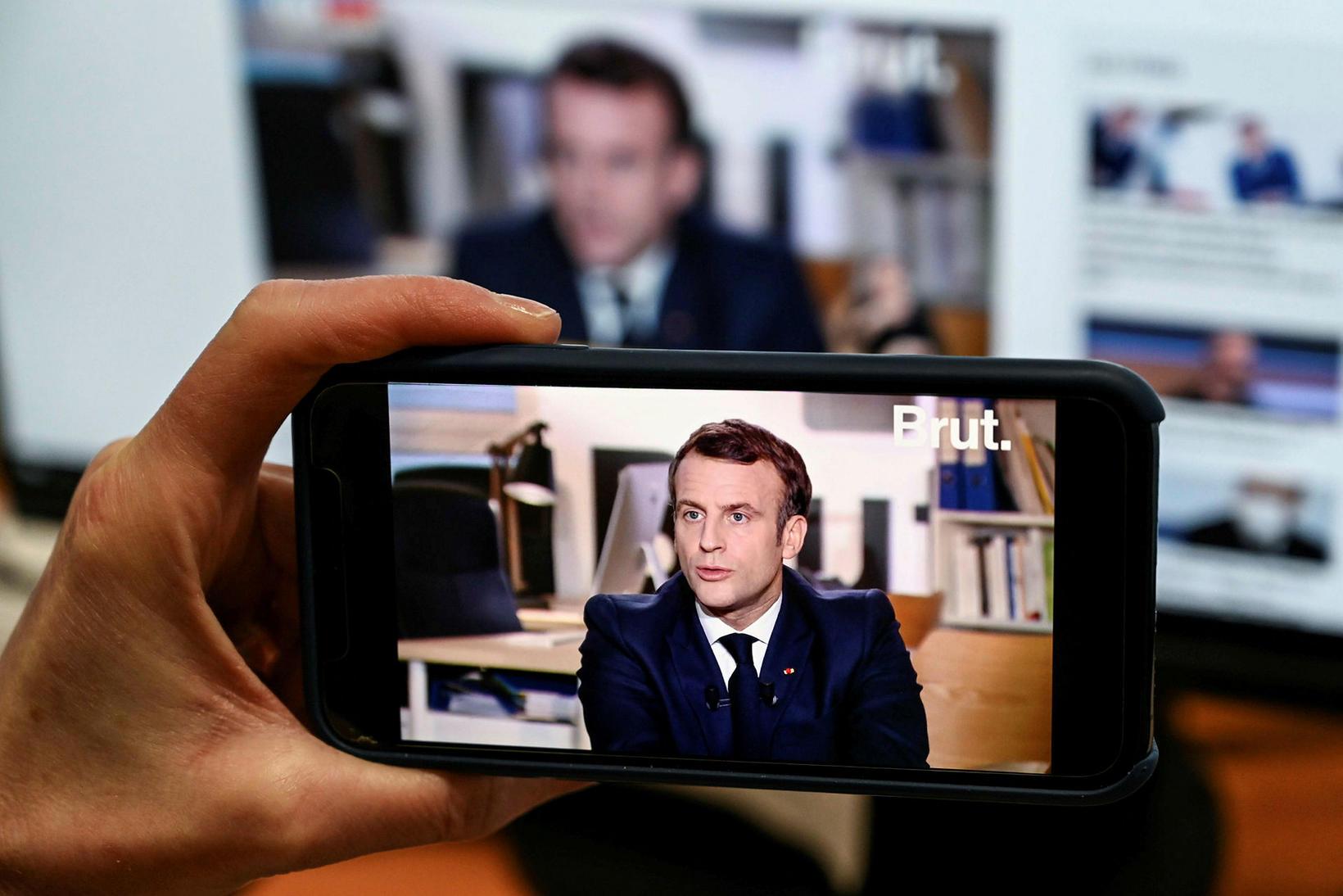 Emmanuel Macron ávarpaði þjóð sína fyrir skemmstu.