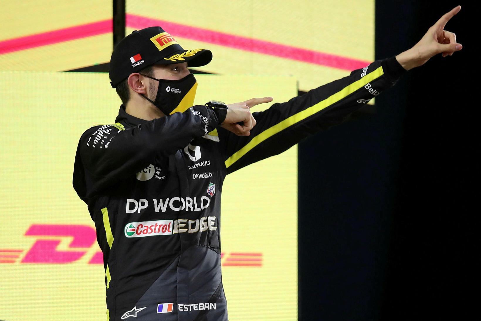 Franski ökumaðurinn Esteban Ocon á Renault fagnar sínu fyrsta pallsæti …