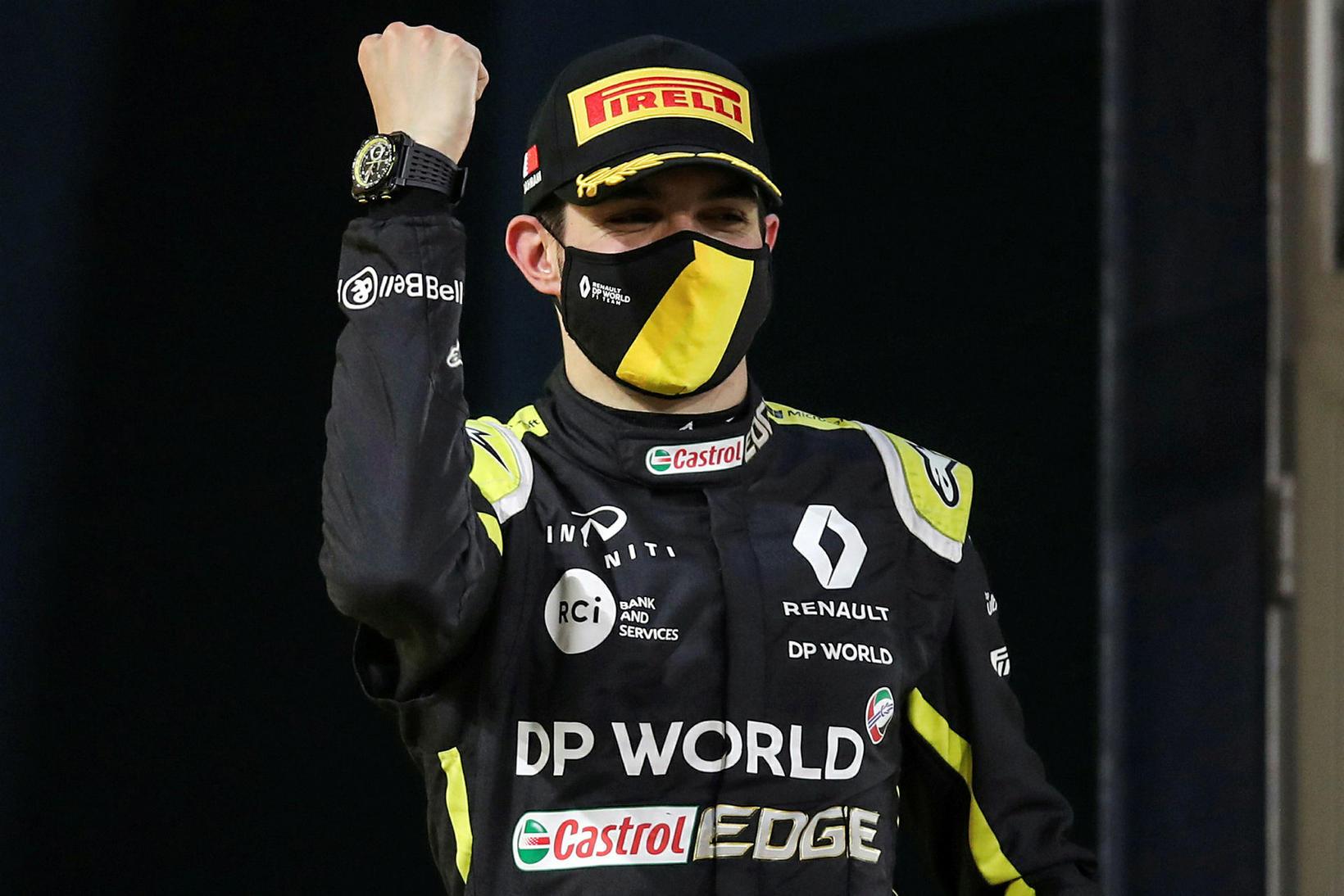 Esteban Ocon hjá Renault fagnar öðru sætinu í dag.