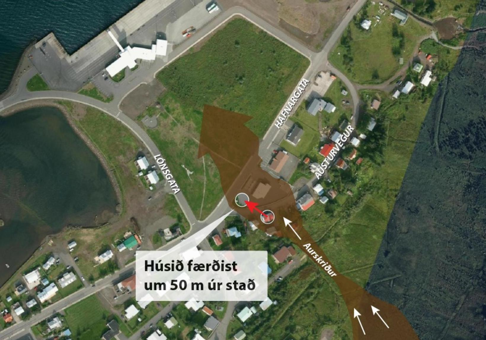 Skriður hafa fallið úr Nautaklauf á íbúabyggð á Seyðisfirði. Í …