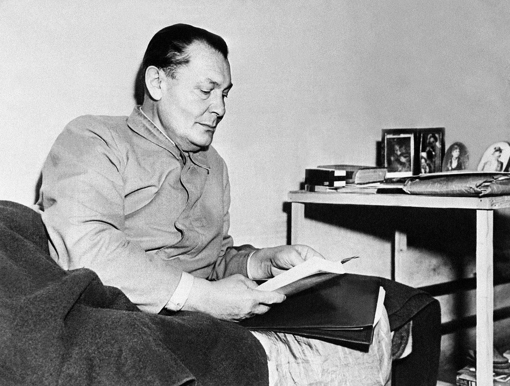 Hermann Göring í fangaklefa sínum.
