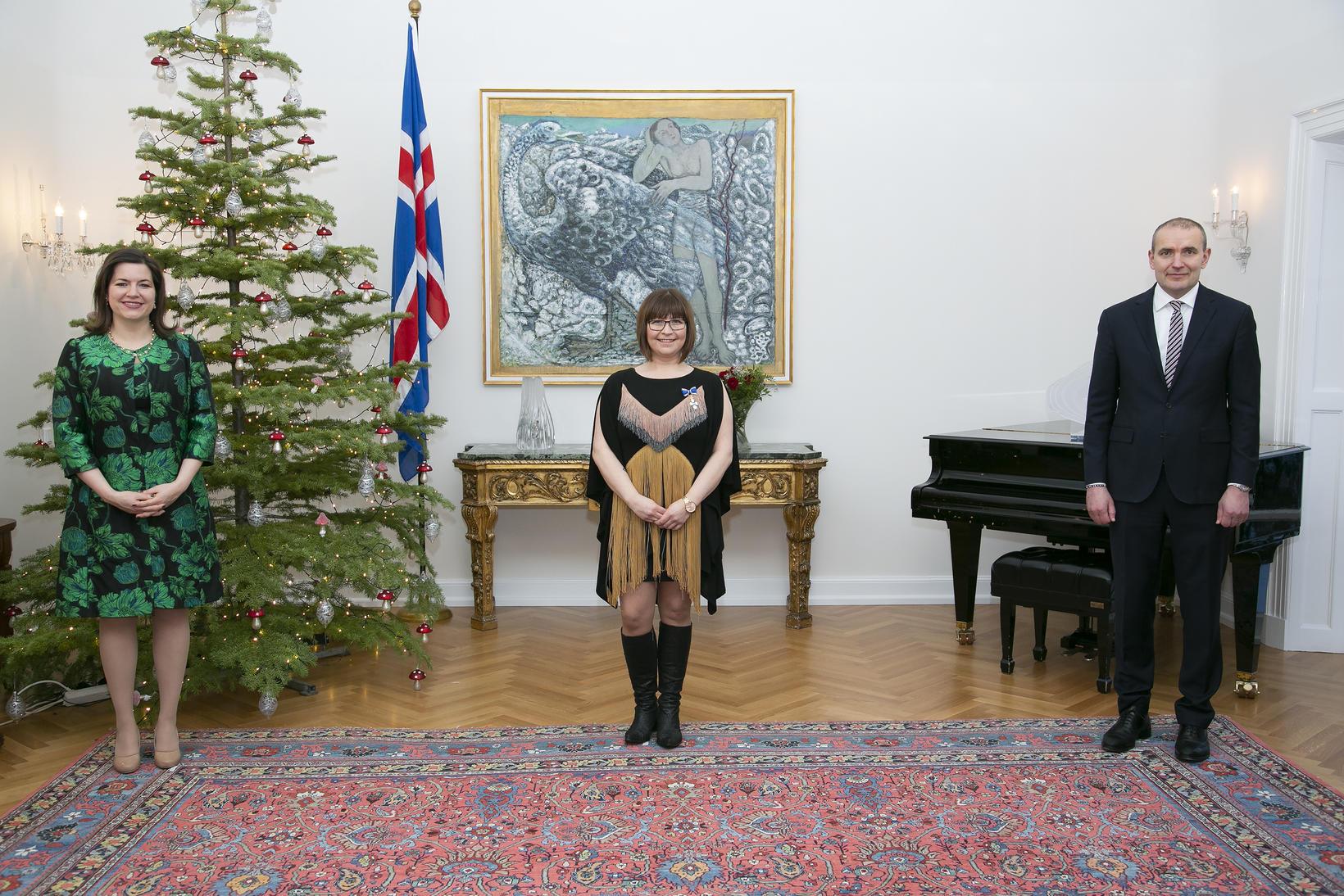 Helga Sif Friðjónsdóttir ásamt forsetahjónunum.