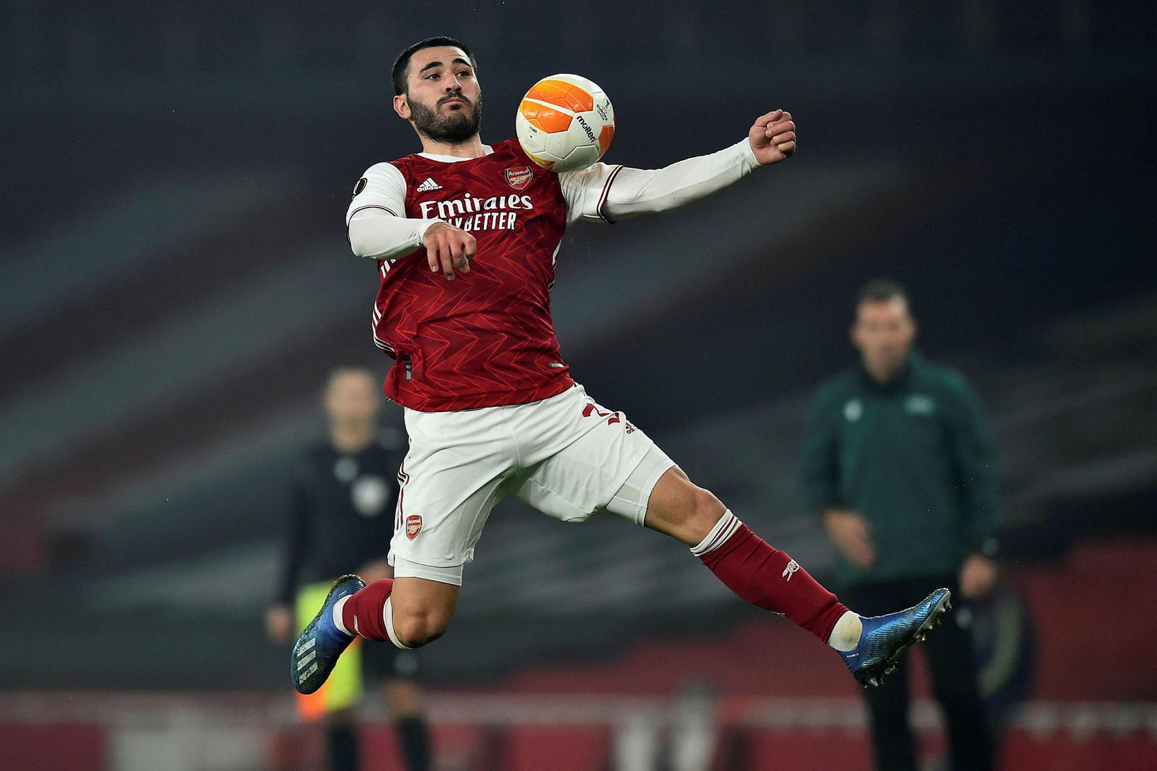 Sead Kolasinac, bosníski bakvörðurinn hjá Arsenal, hefur verið lánaður til …