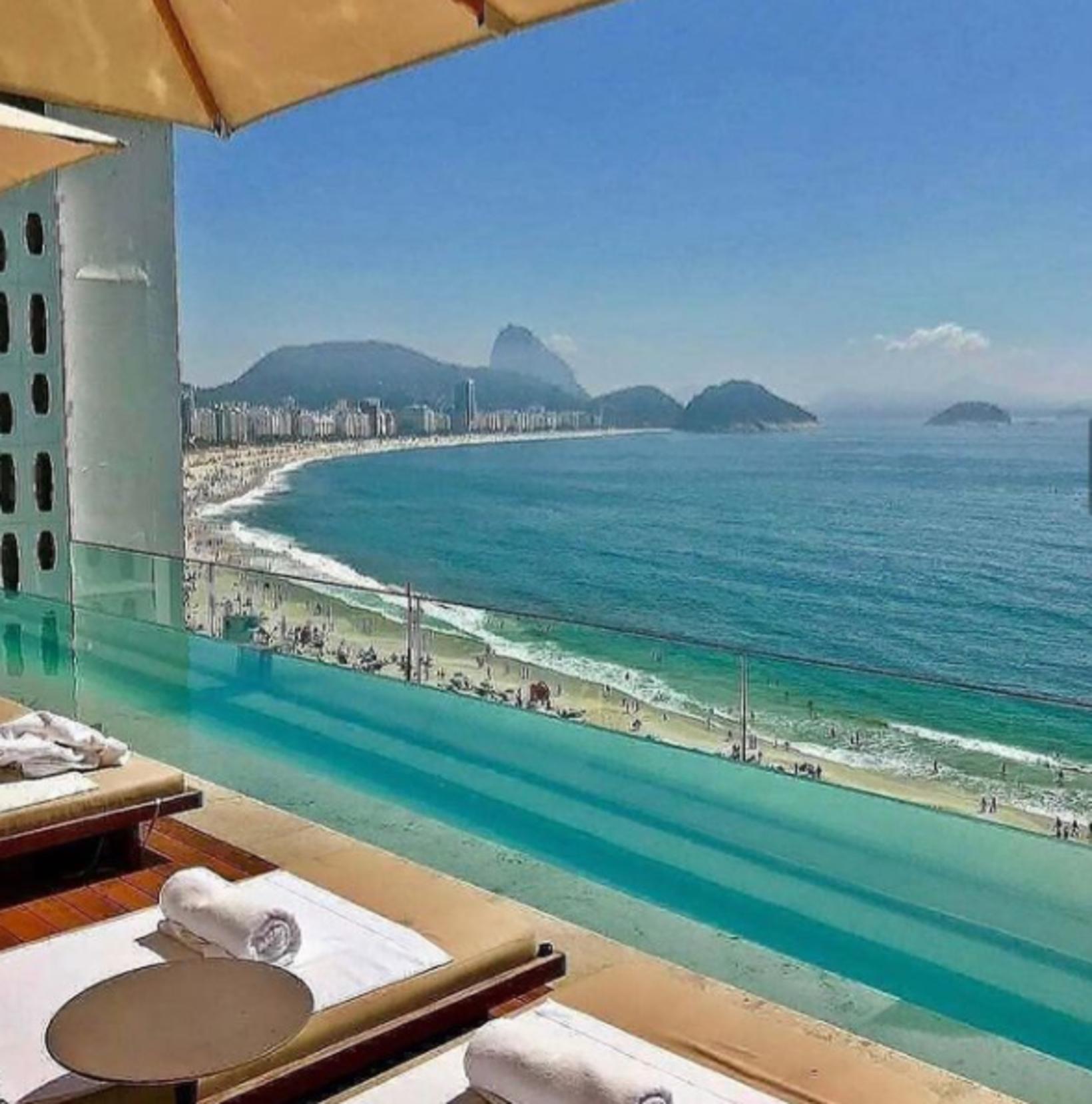 Af þakbarnum er gott útsýni yfir Copacabana.