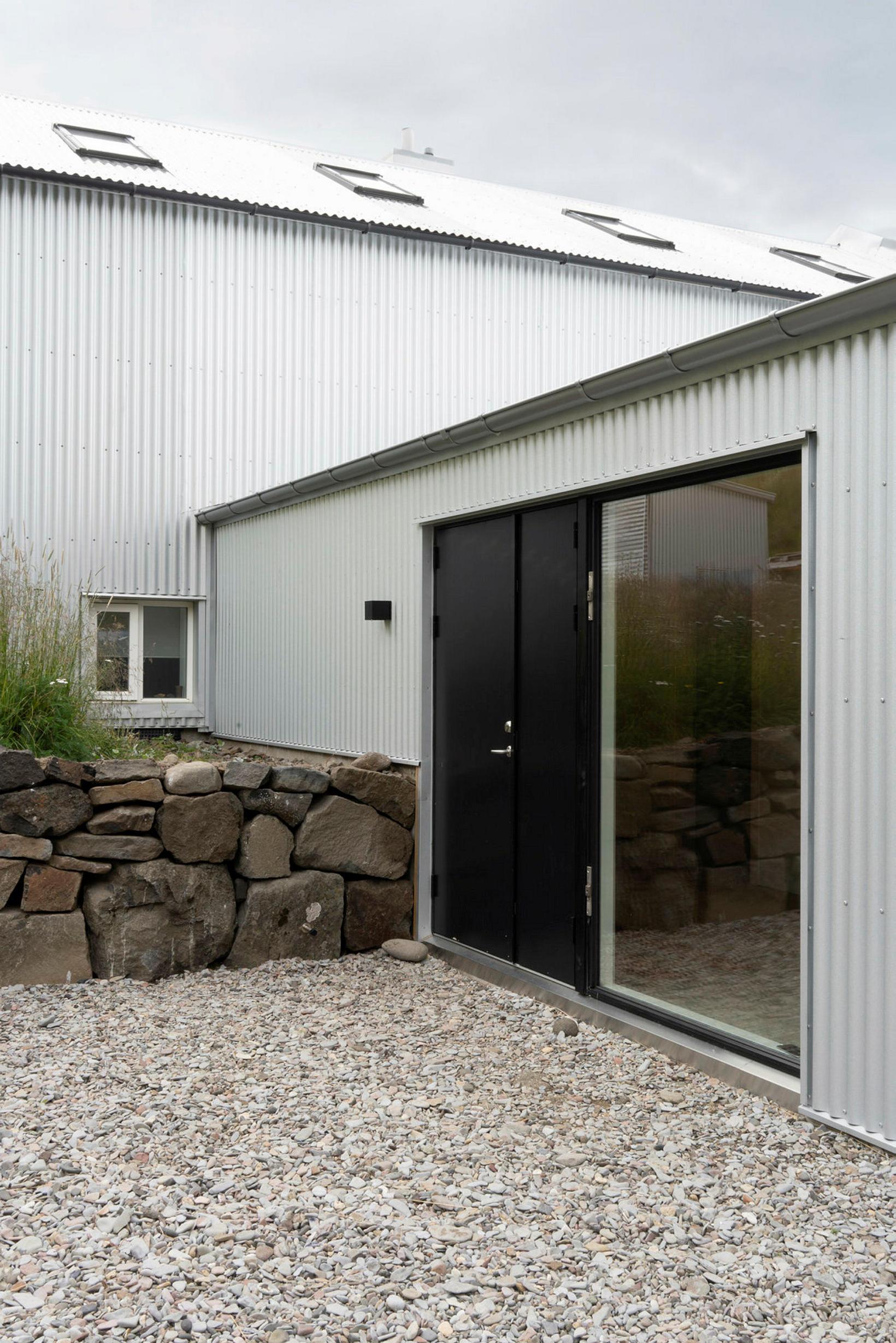 Gamlar byggingarhefðir voru í hávegum hafðar.