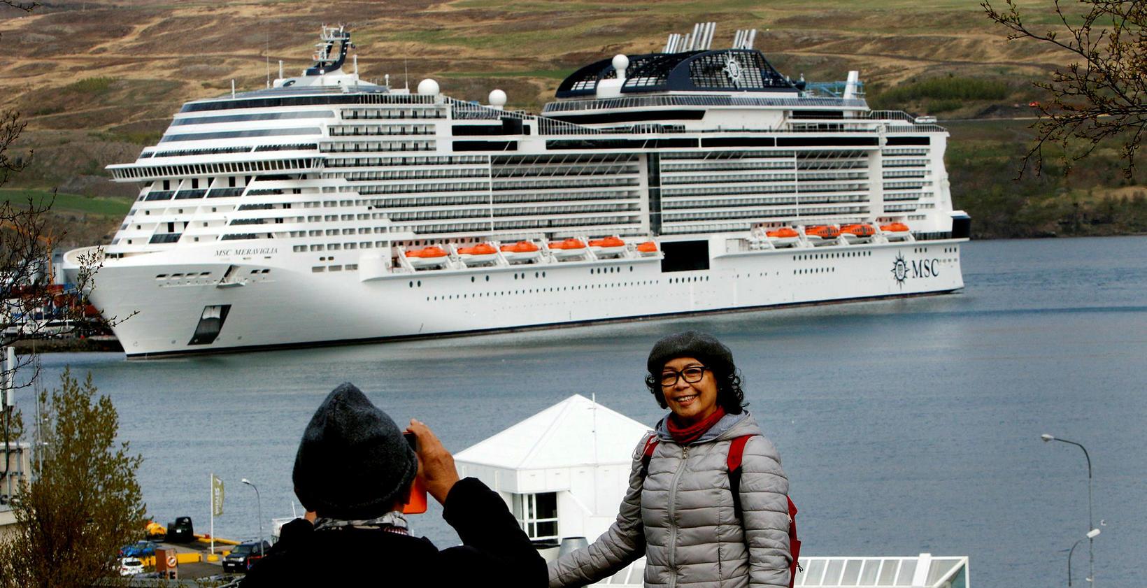 Skemmtiferðaskipin hafa verið mikilvæg tekjulind. Eitt stærsta skip af þeim …