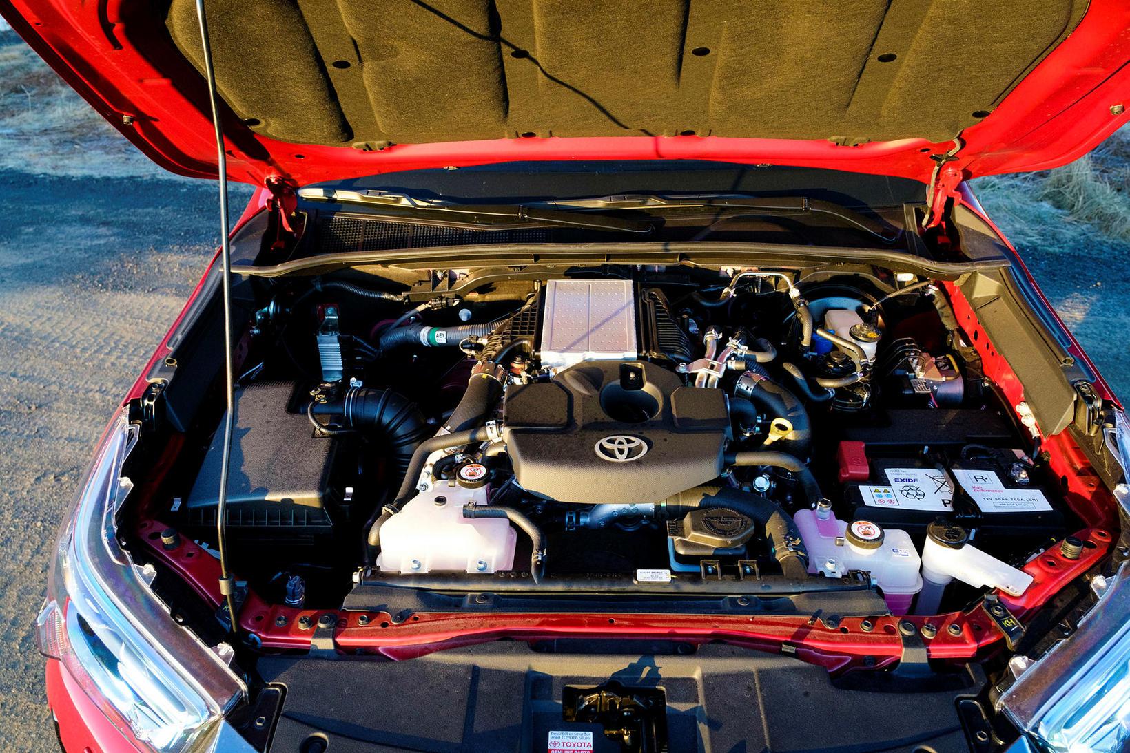 Toyota kreistir meira afl úr Hilux-vélinni en áður, en það …