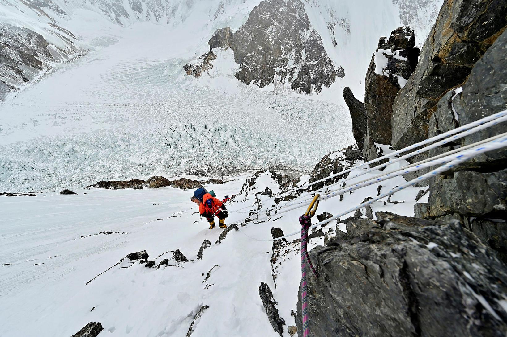 John Snorri á K2 í fyrra.