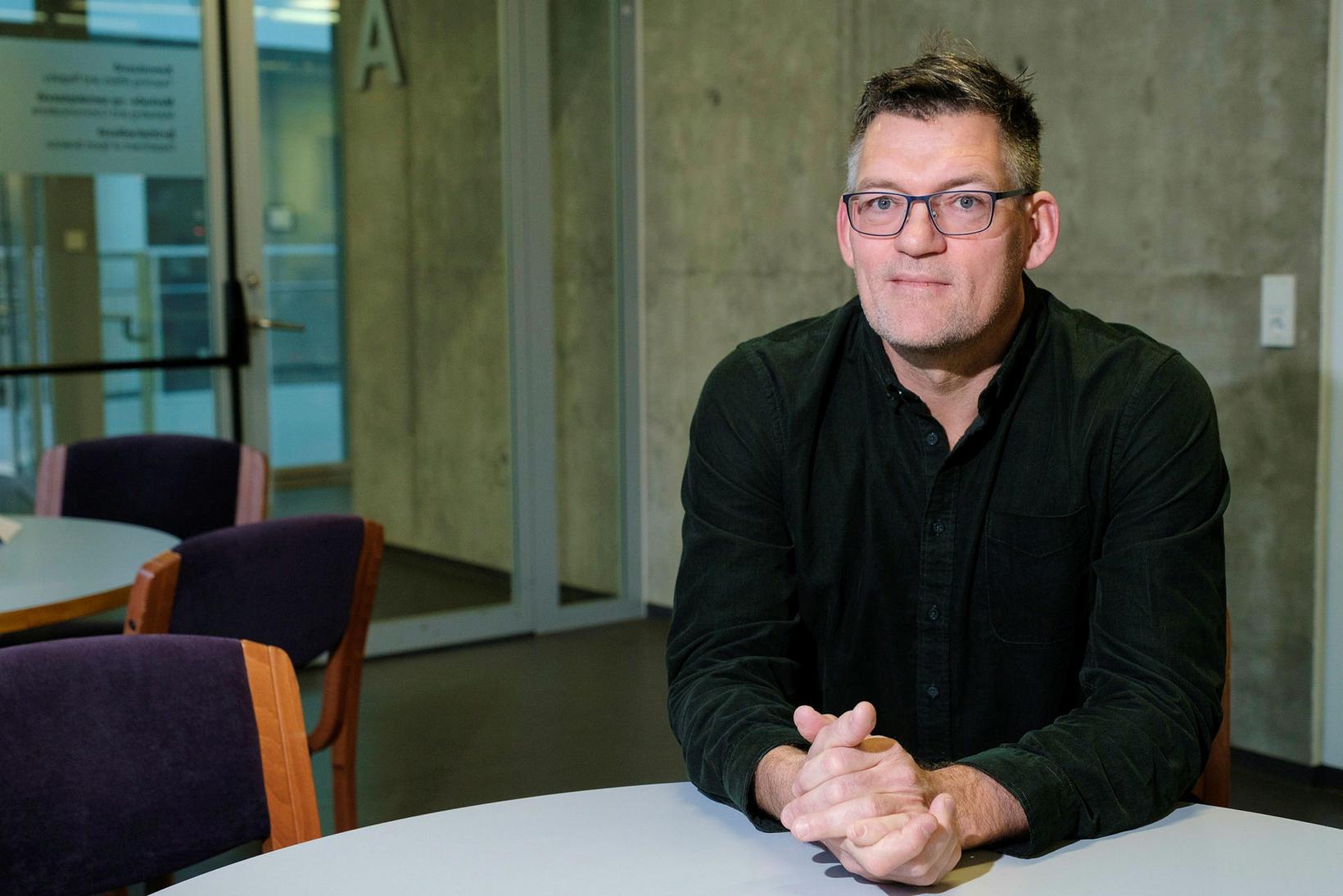 Professor Hermundur Sigmundsson.