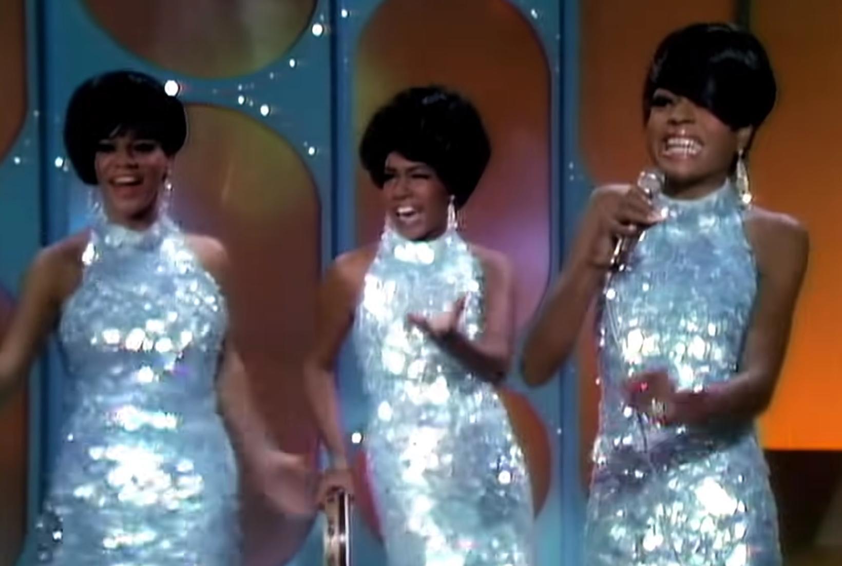 The Supremes í syngjandi sveiflu hjá Ed Sullivan 1966.