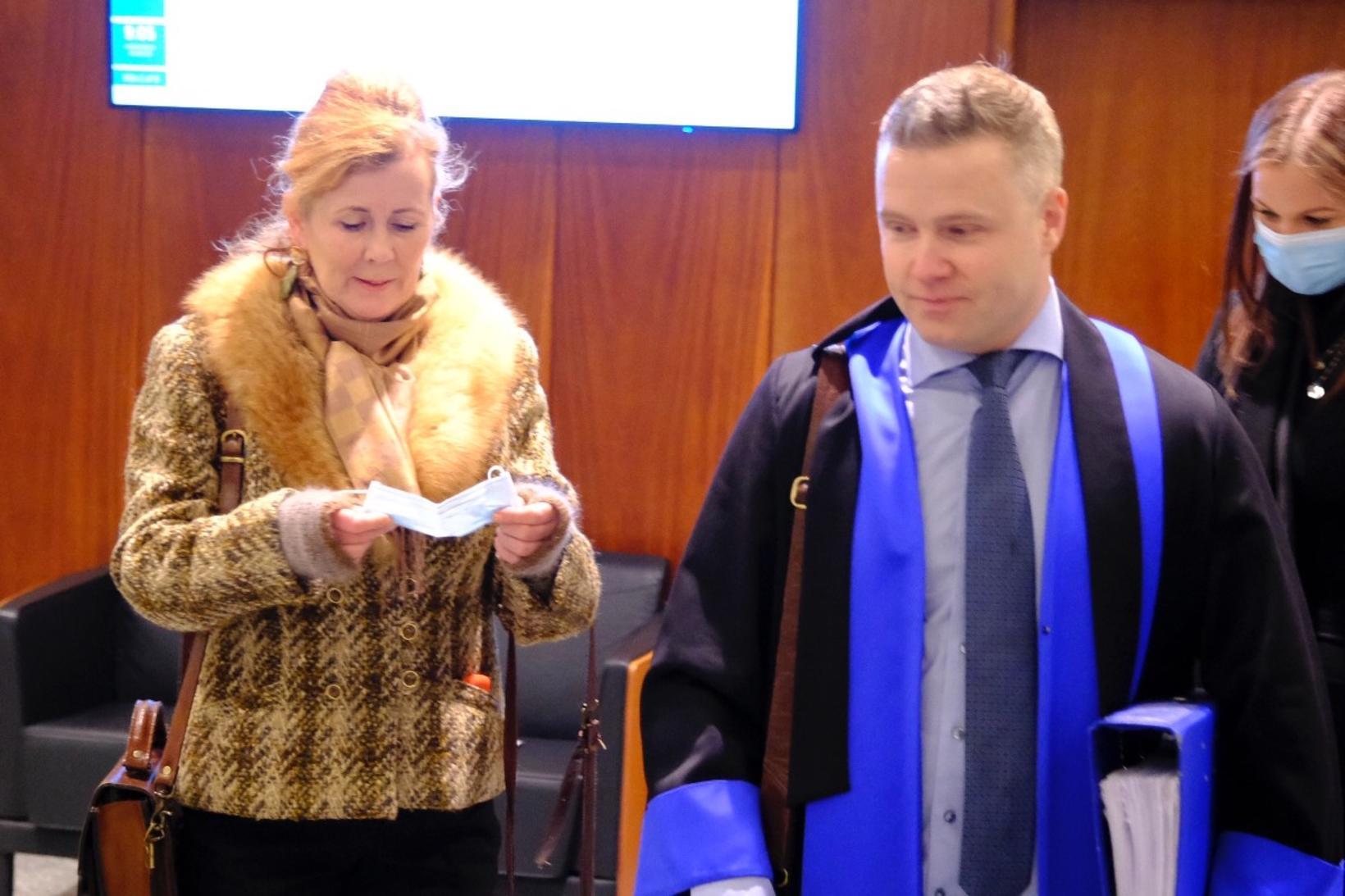 Aldís Schram ásamt lögmanni sínum, Gunnari Inga Jóhannssyni.