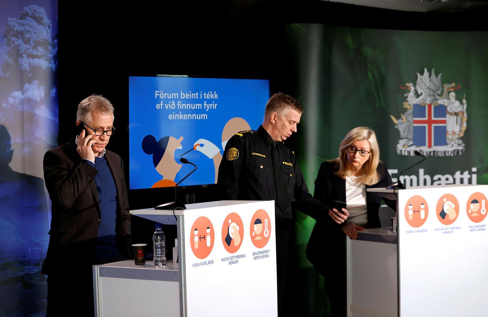 Þórólfur Guðnason sóttvarnalæknir, Víðir Reynisson yfirlögregluþjónn og Alma Möller landlæknir.