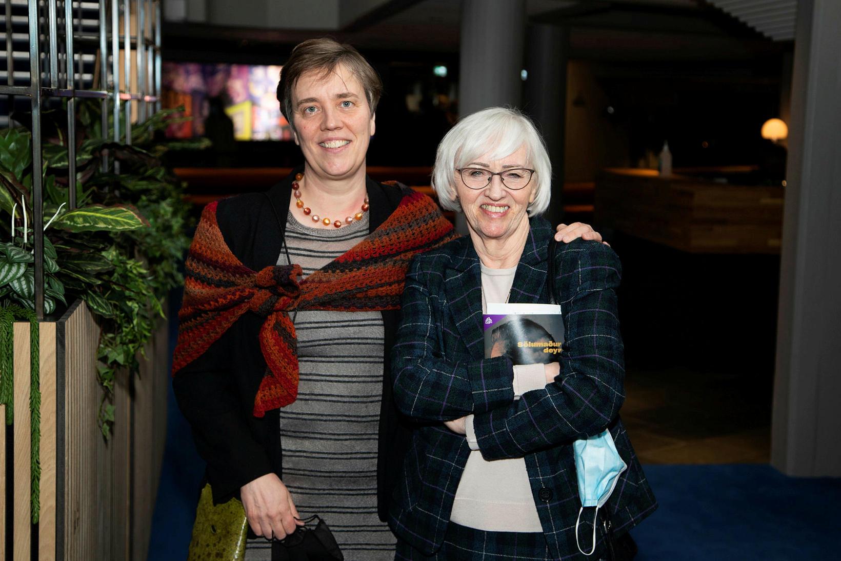 Sigþrúður Gunnarsdóttir og Silja Aðalsteinsdóttir.