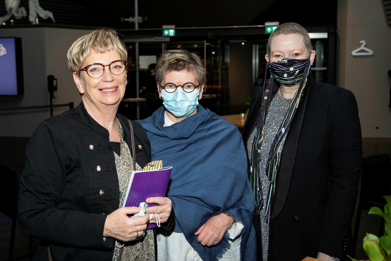 Huld Ingimarsdóttir, Nína Helgadóttir og Arna Schram.