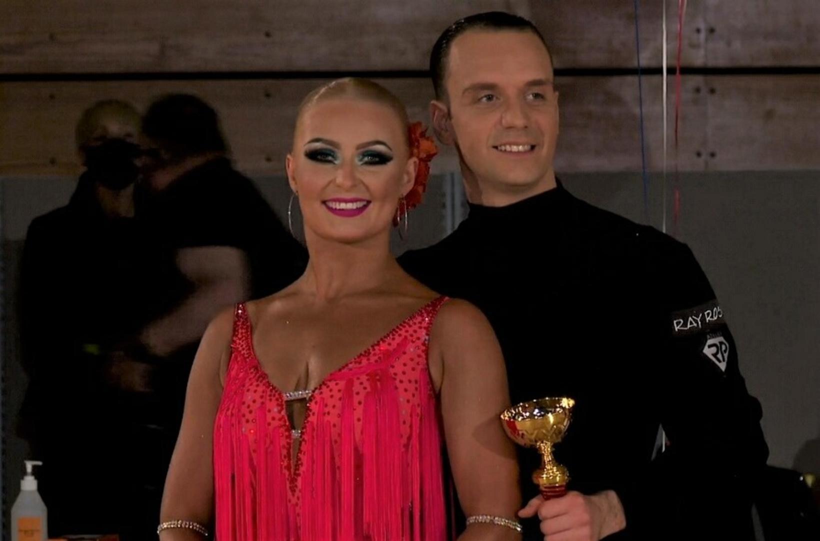 Nicolo Barbizi og Sara Rós Jakobsdóttir sigruðu latín dansanna.