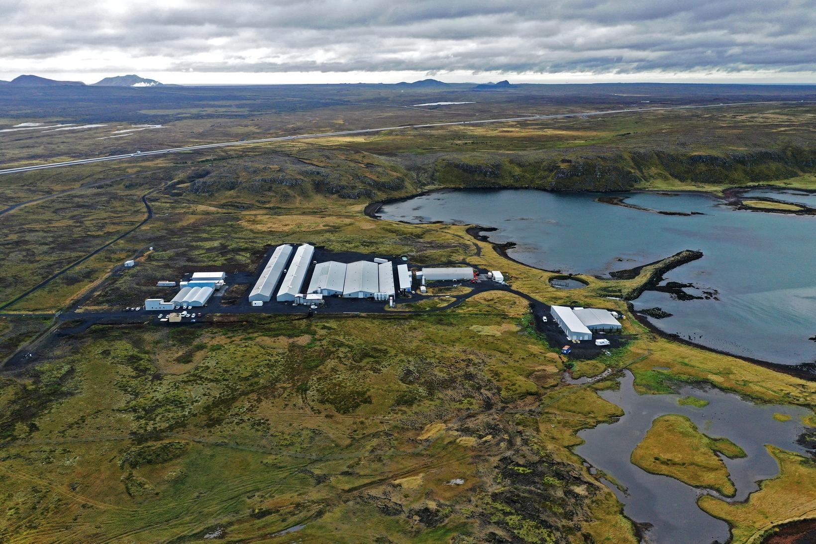 Klakstöð og Hrognahús í Vogavík.