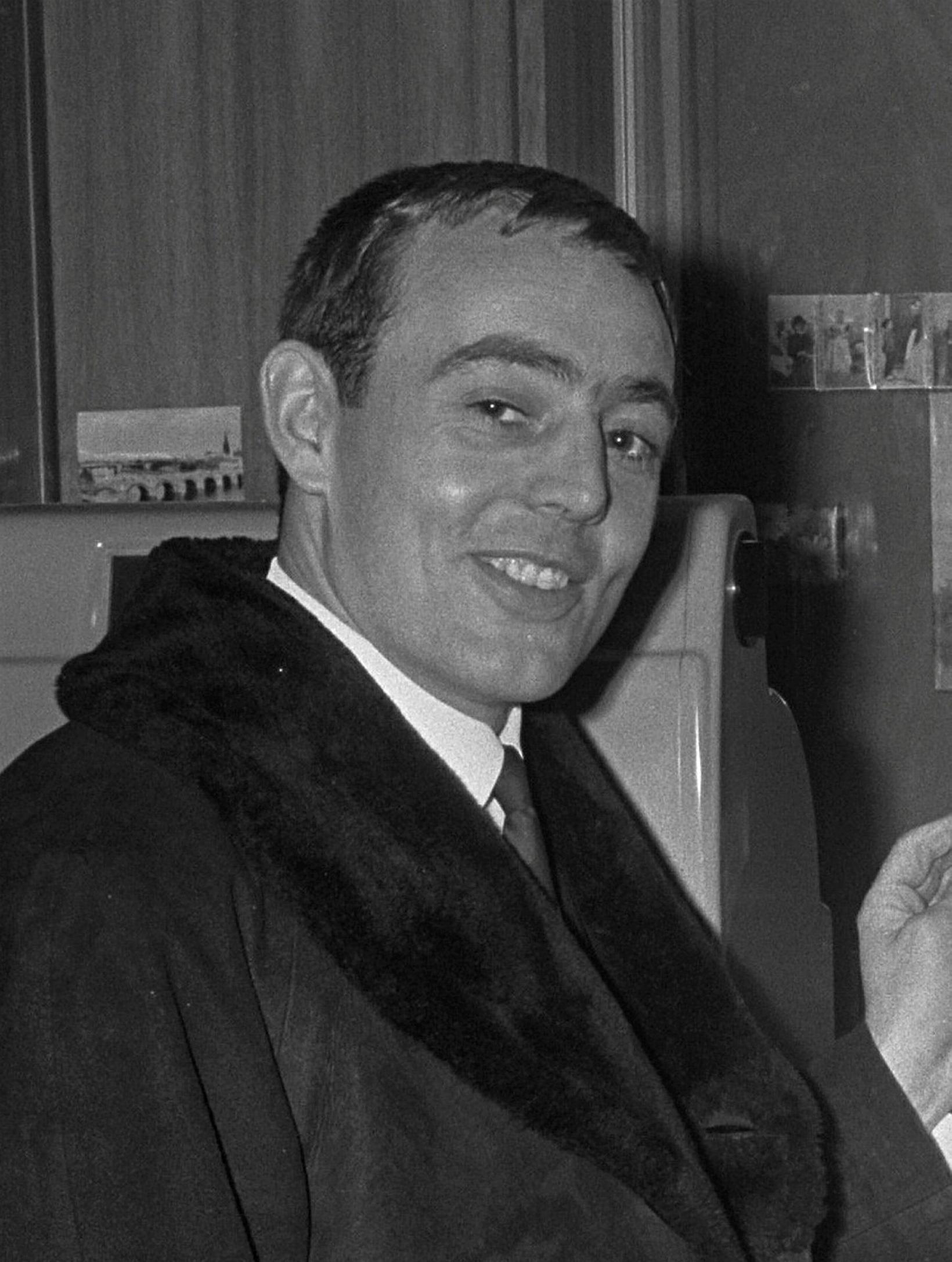 Ian St John lék með Liverpool í áratug, frá 1961 …