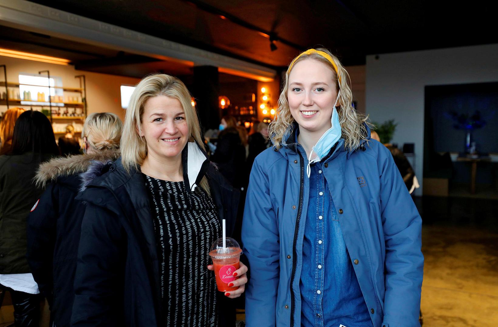 Sólrún Ársælsdóttir og Laufey Guðrún Vilhjálmsdóttir.