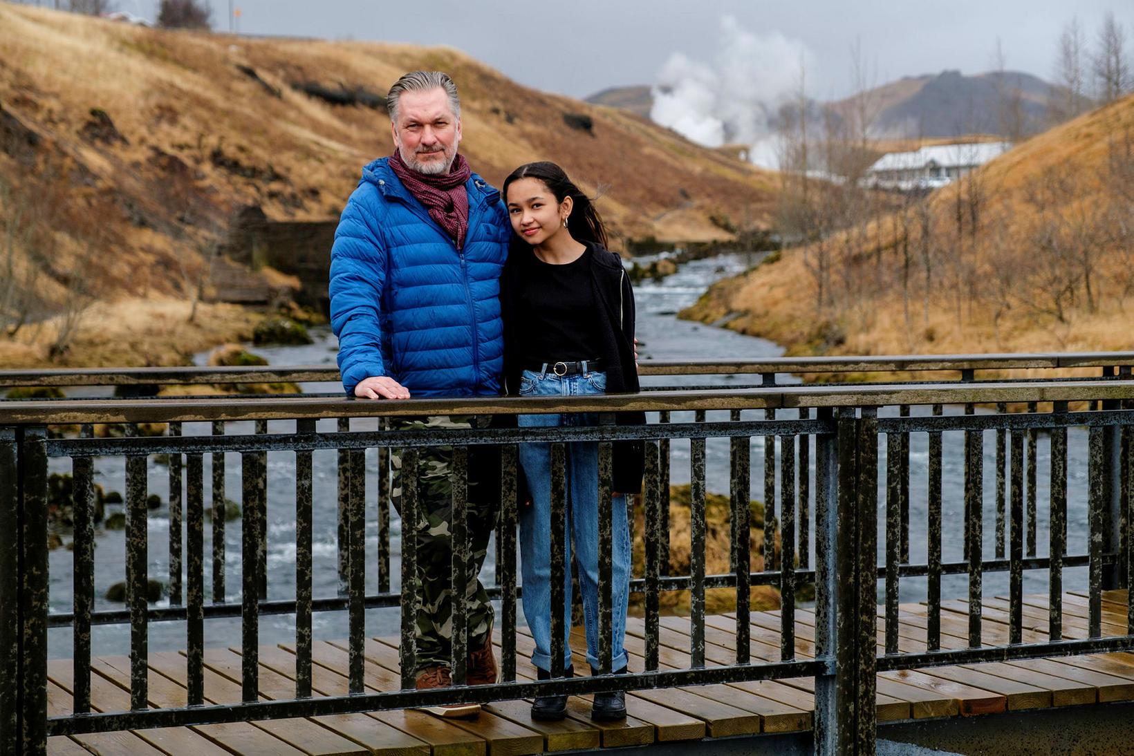 Feðginin Viktor Sveinsson og Ásta Sawang.