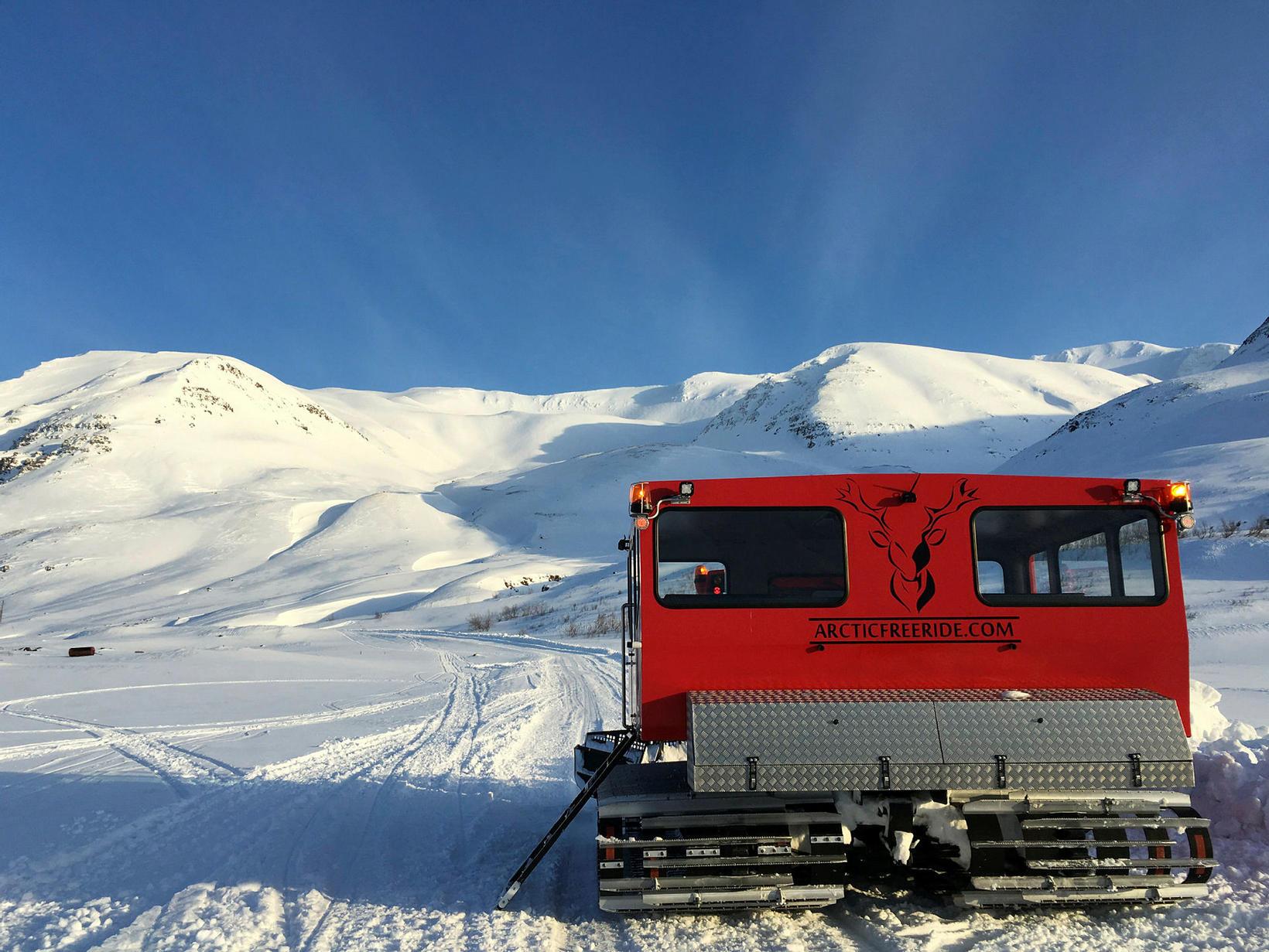 Snjótroðari Arctic Freeride er búinn öllum helstu þægindum.