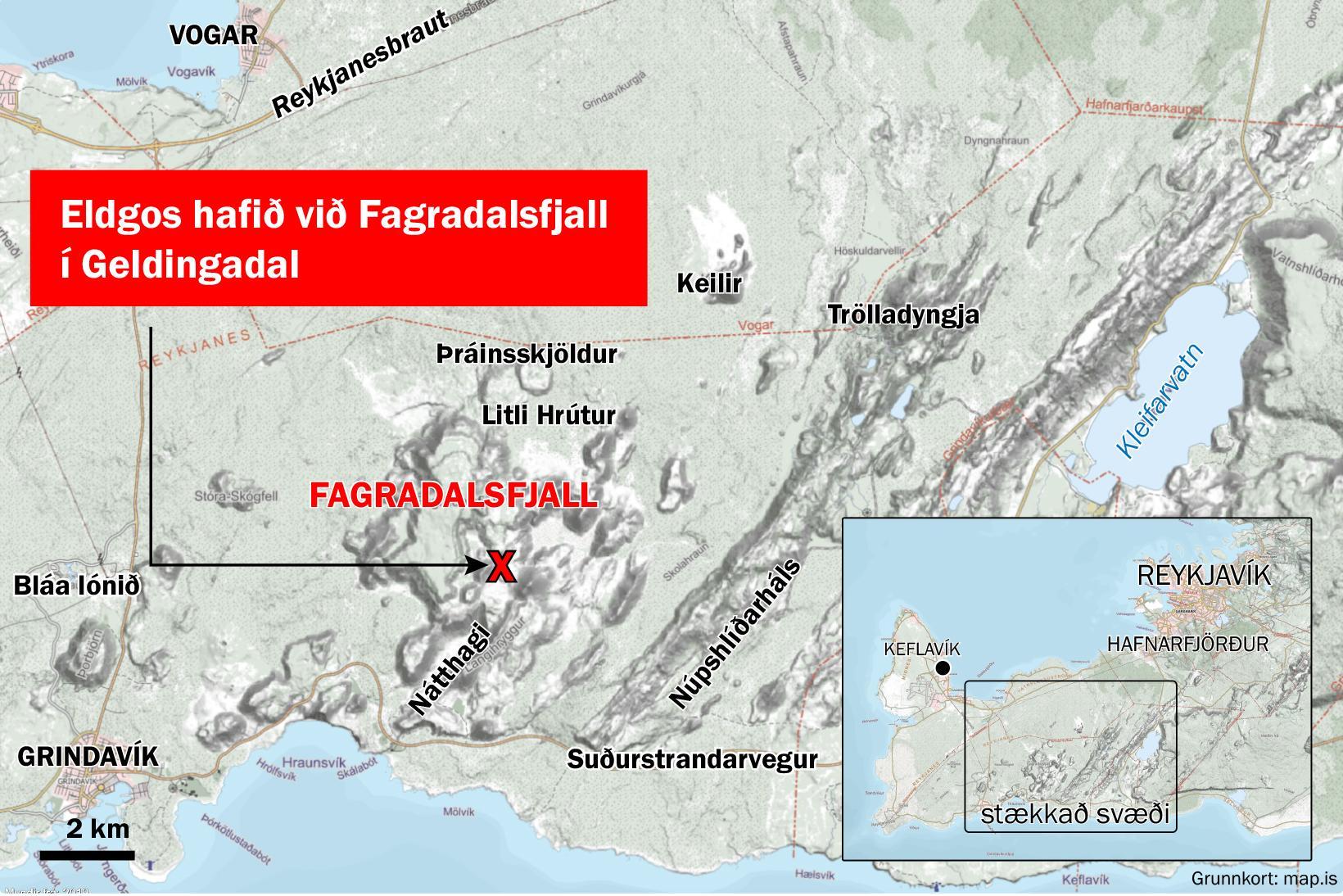 Sprungan er 2,6 km frá Suðurstrandarvegi, að sögn Veðurstofunnar.