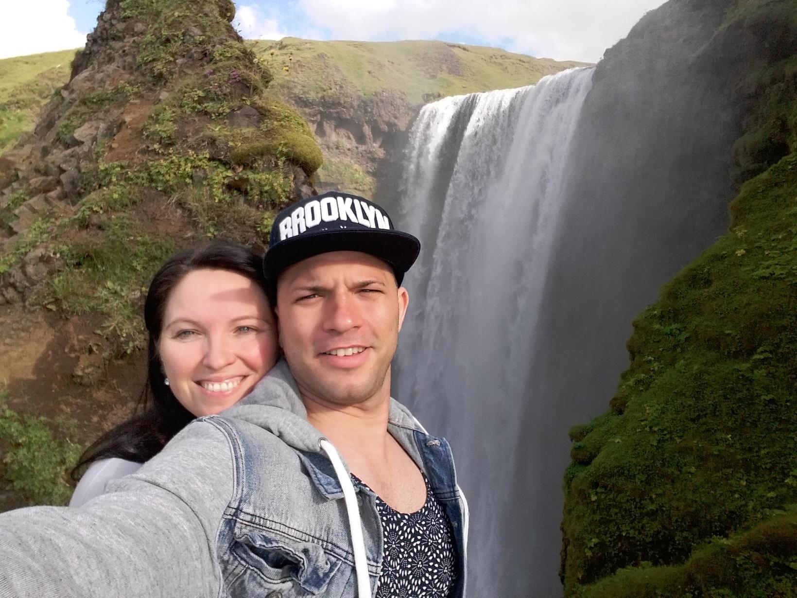 Yandy og kona hans, Halldóra Bjarkadóttir.