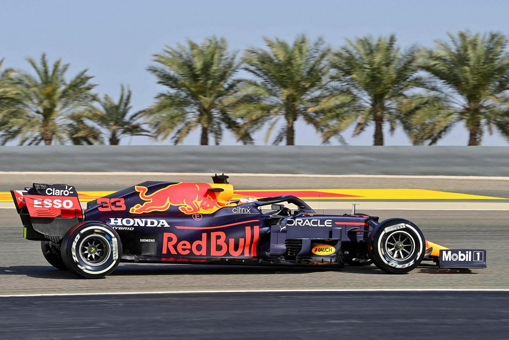 Max Verstappen í tímatökunni í Barein.