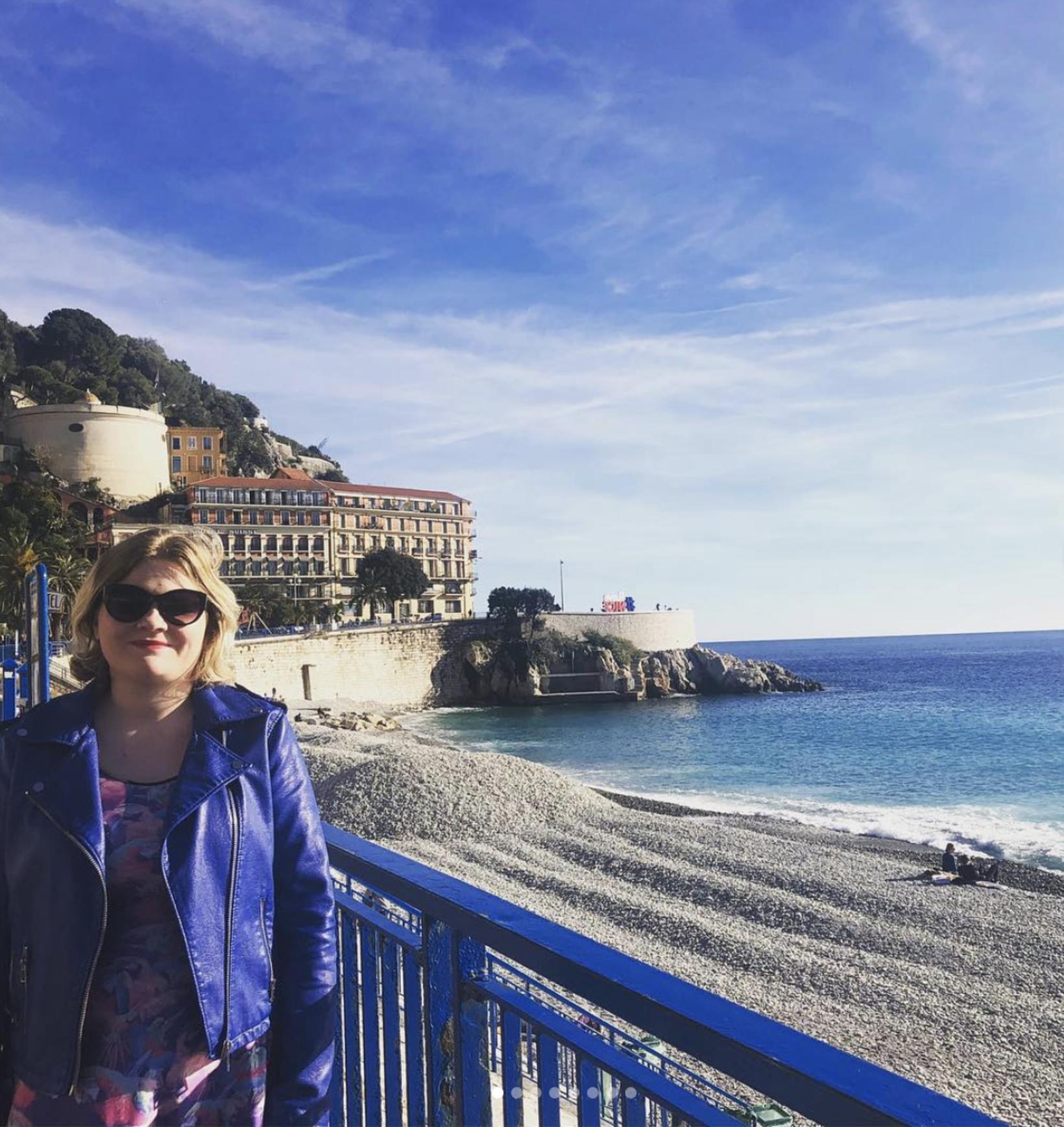 Unnur Sara við La promenade des Anglais í Nice. Unnur …