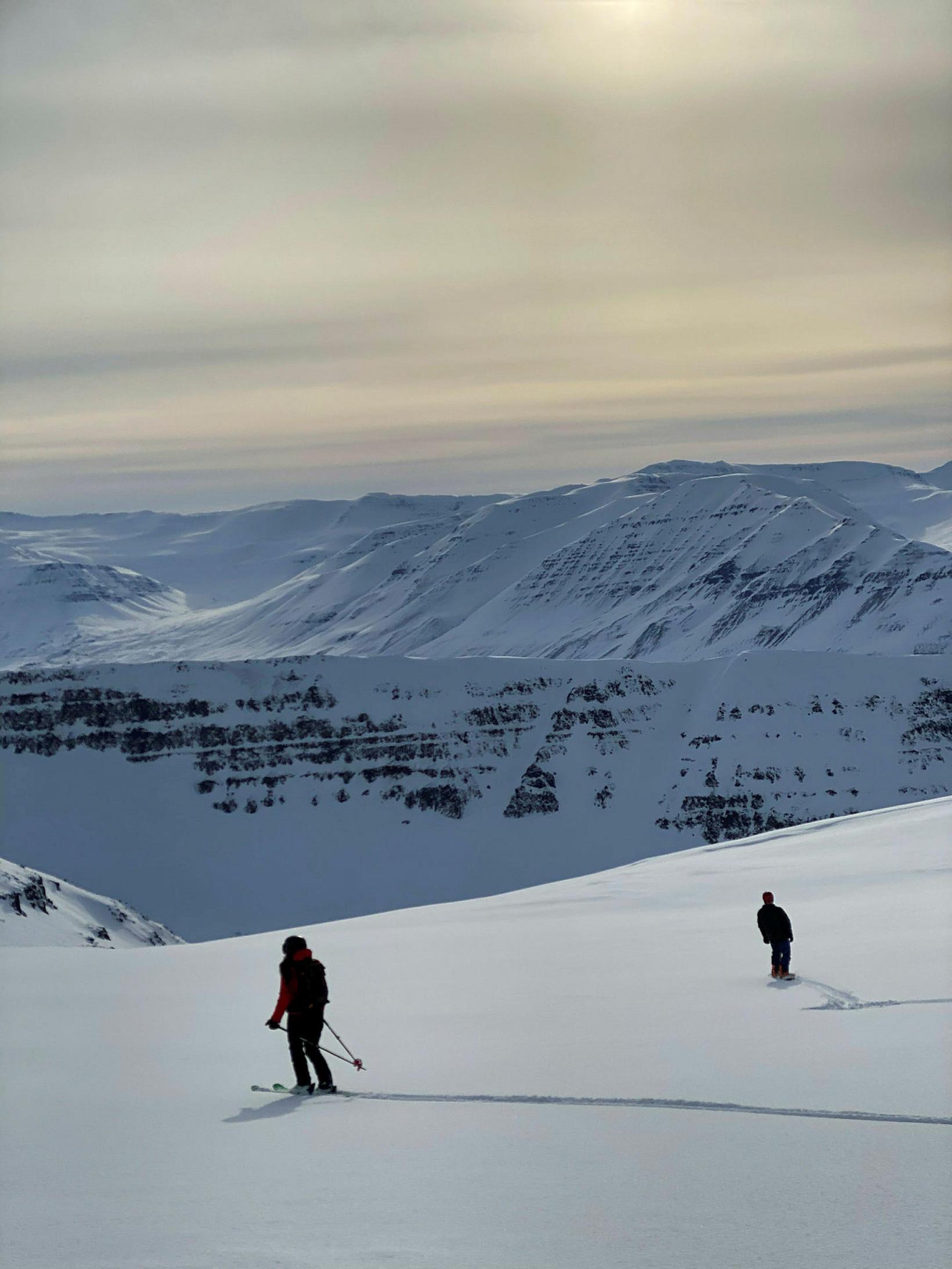 Skíðað niður Brimnesdal.