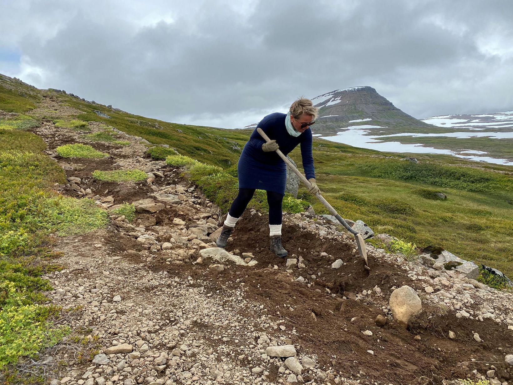 Slóðalagfæringar eftir fárveður í júlí.