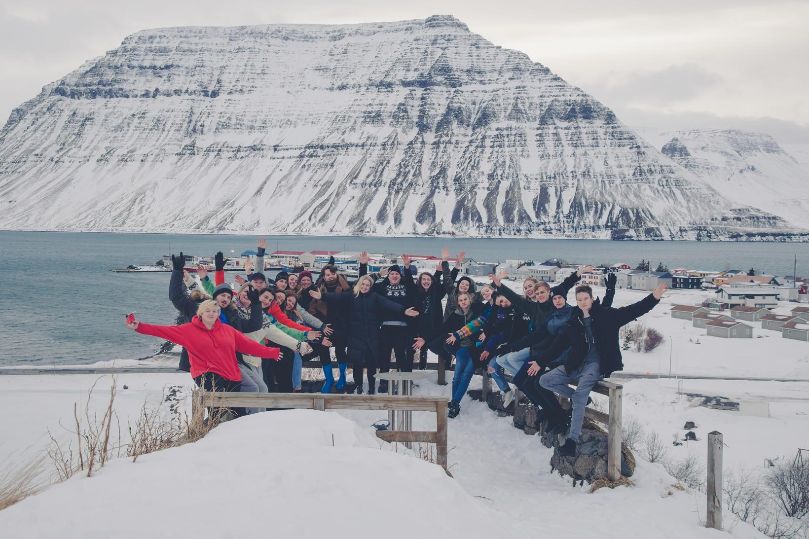 Hópur nemenda við Lýðskólann á Flateyri.