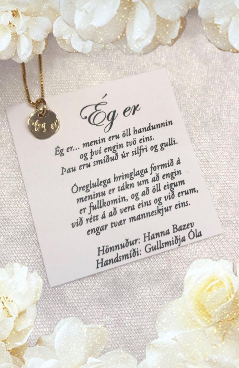 """Hanna Rún hannaði """"Ég er"""" hálsmenið sem hún gengur með …"""