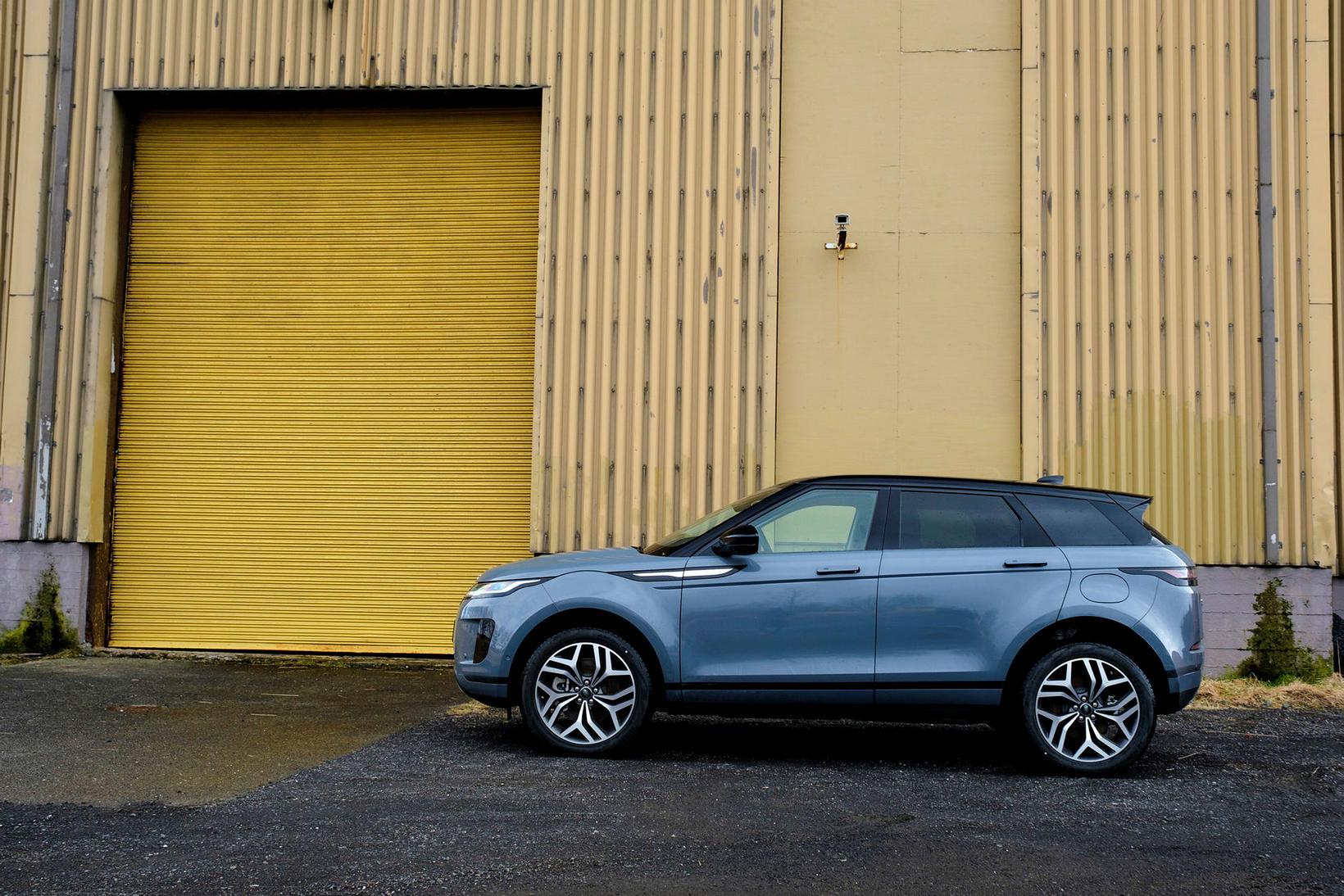 Range Rover Evoque er frábær í borgarumferðinni,en hann má einnig …