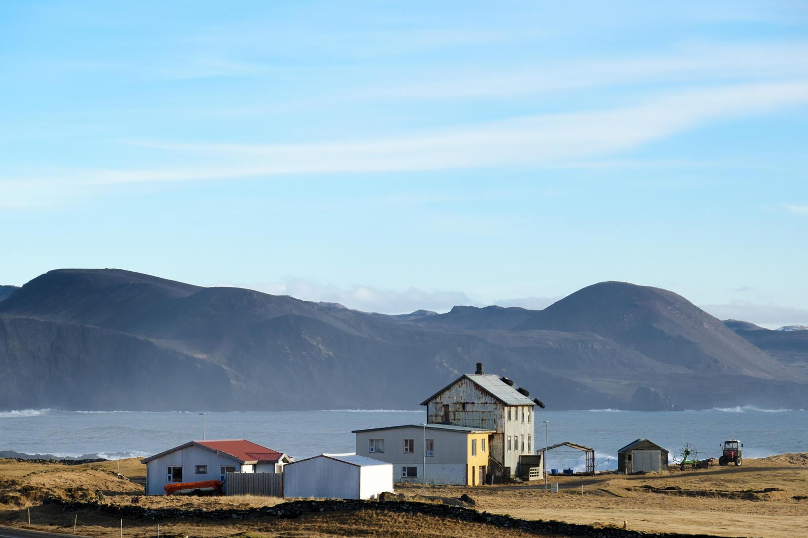 The farm Hraun.