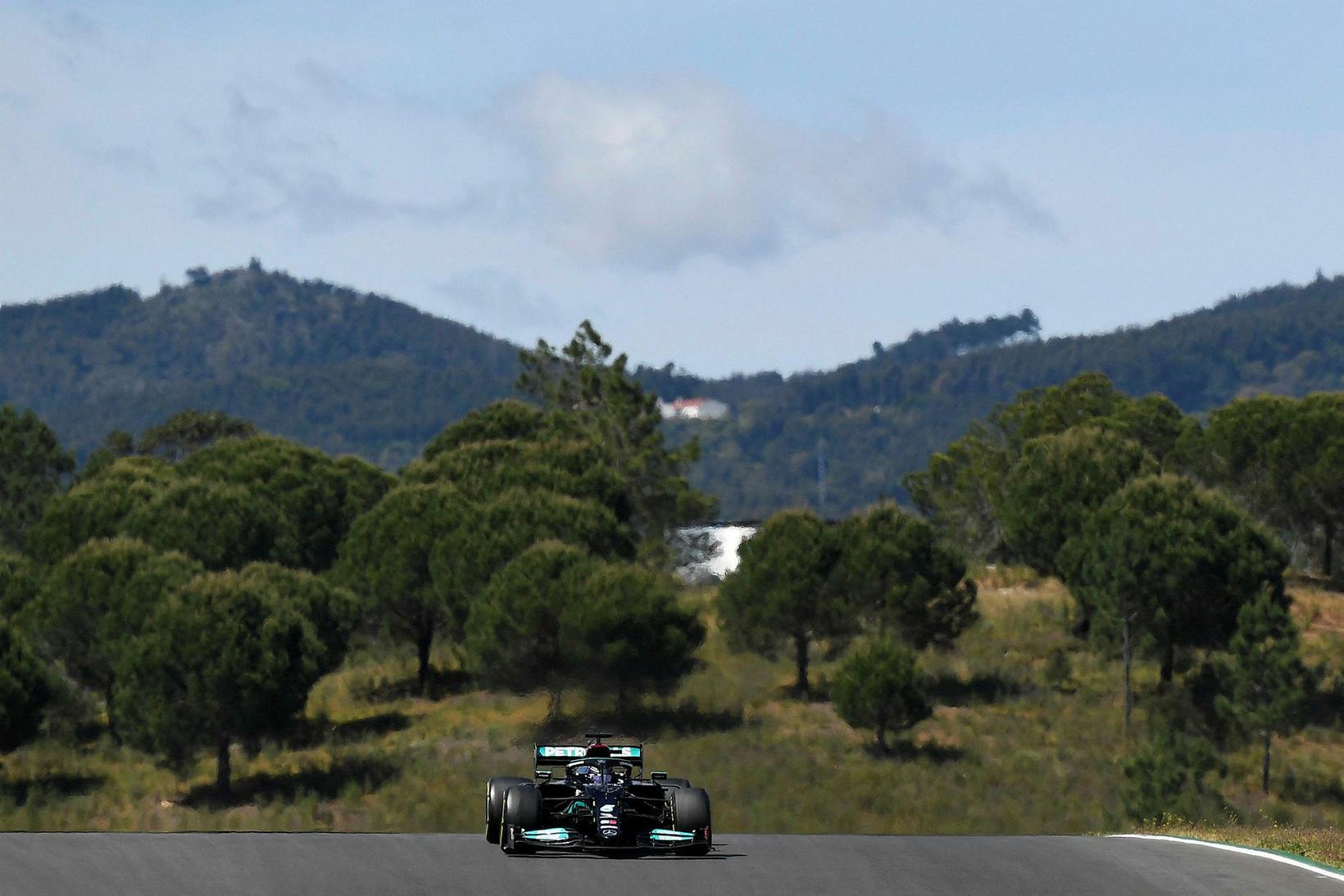 Lewis Hamilton á leið til sigurs í Portimao í Portúgal …