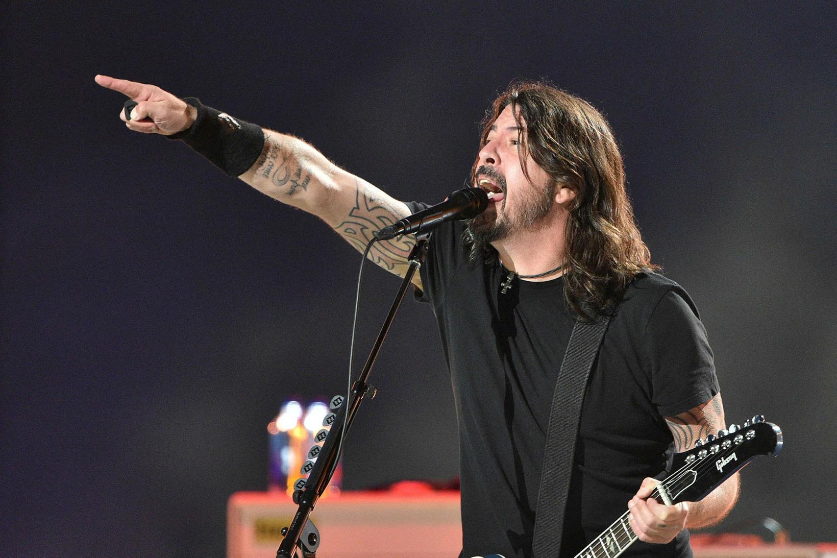 Foo Fighters komu fram.