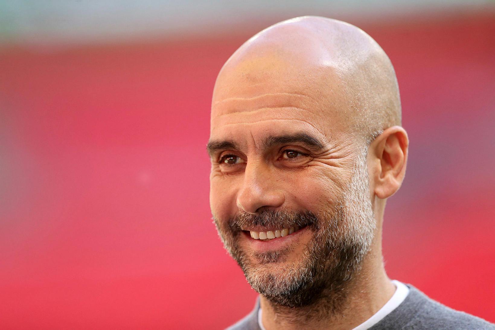 Pep Guardiola á enska meistaratitilinn vísan með Manchester City og …