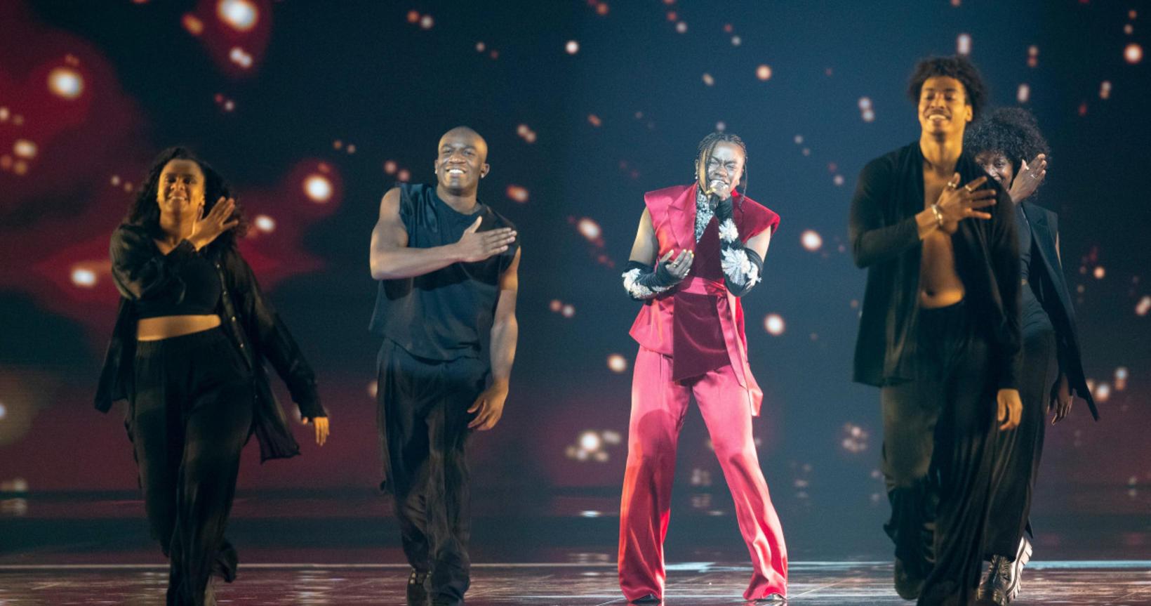 Sænski Eurovision-hópurinn á sviðinu í Rotterdam.