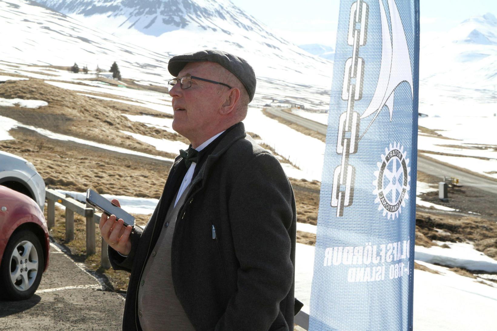 K. Haraldur Gunnlaugsson, núverandi forseti Rótarýklúbbs Ólafsfjarðar, flytur ávarp við …