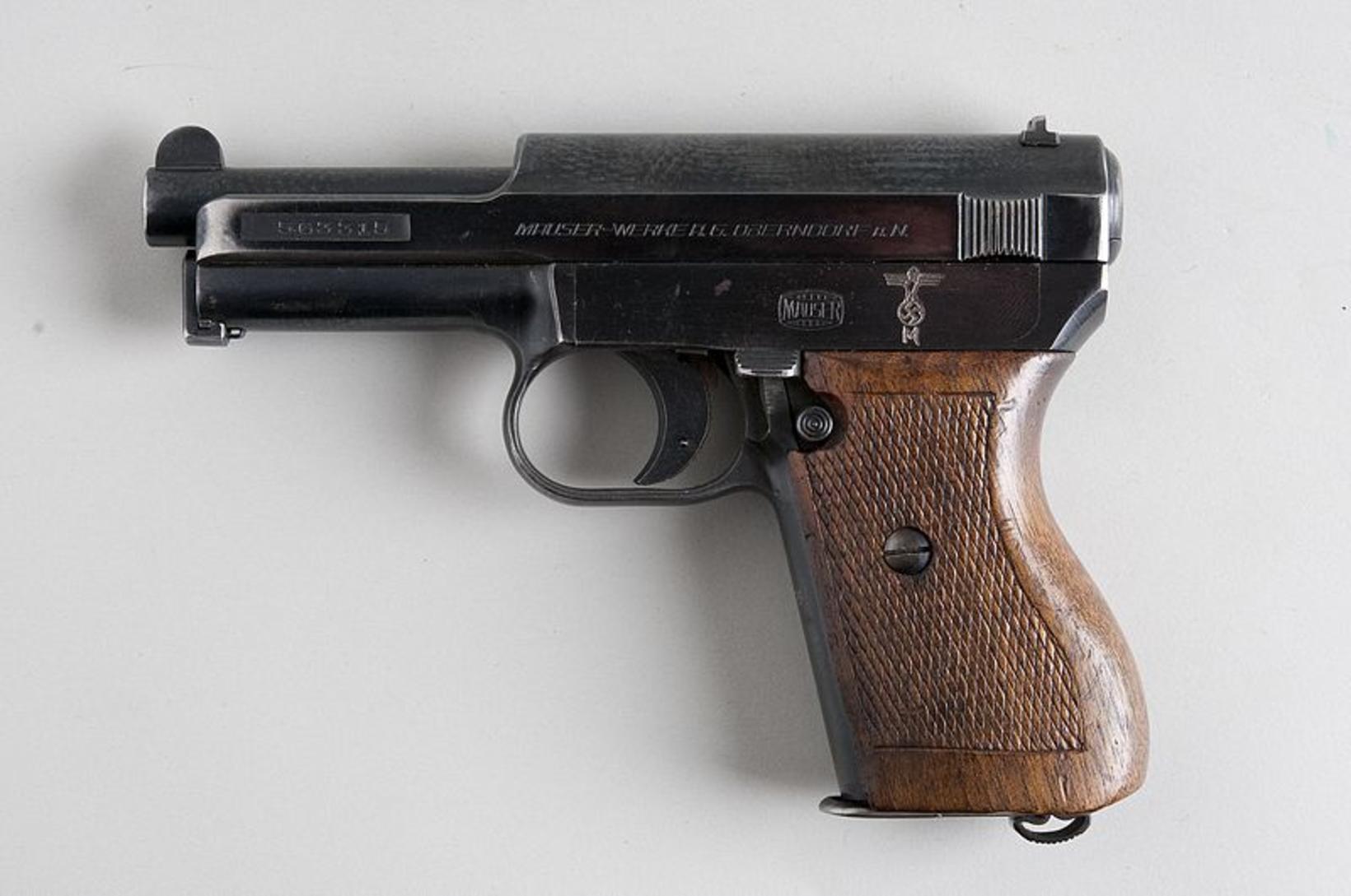 Mauser M1934, 7,65 mm með átta skota magasíni og kirfilega …