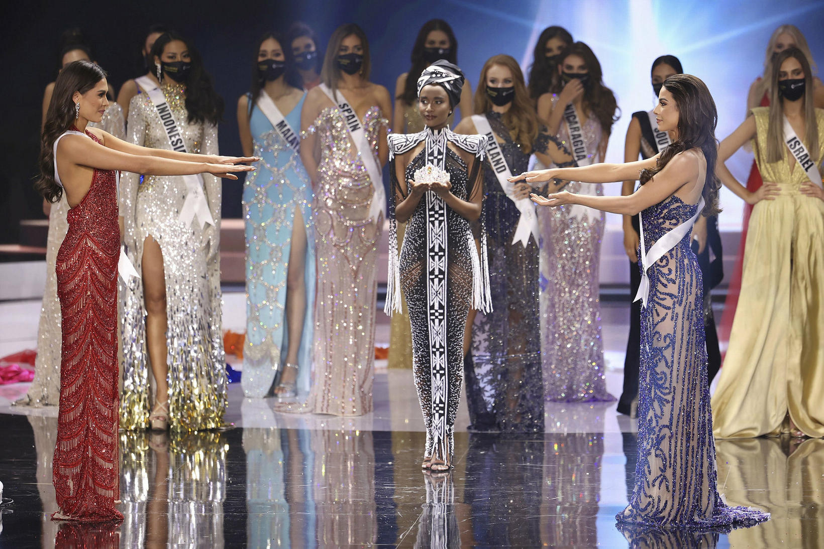 Miss Universe Mexíkó Andrea Meza, Miss Universe 2019 Zozibini Tunzi …