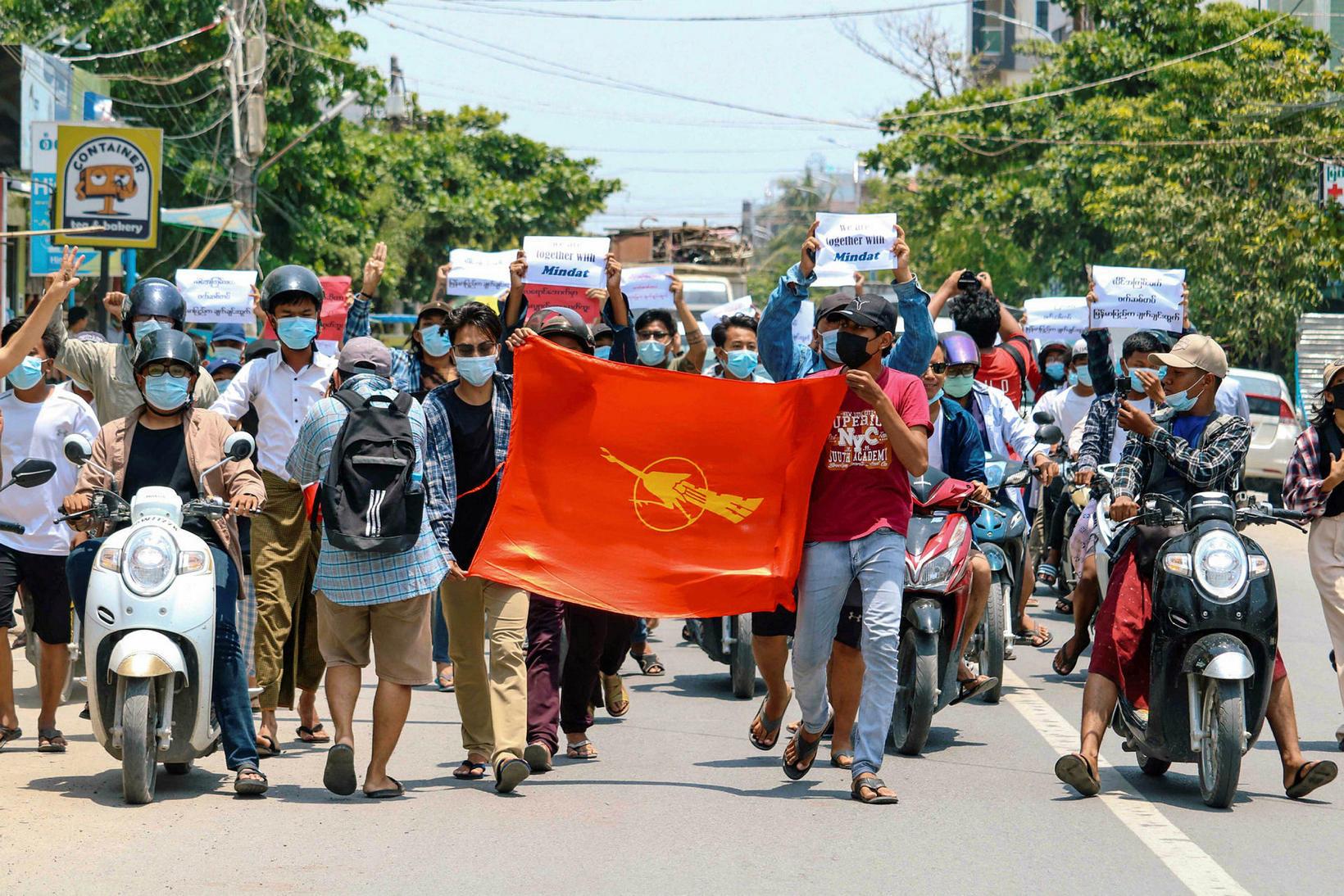 Frá mótmælum í Mandalay, Mjanmar, í dag.