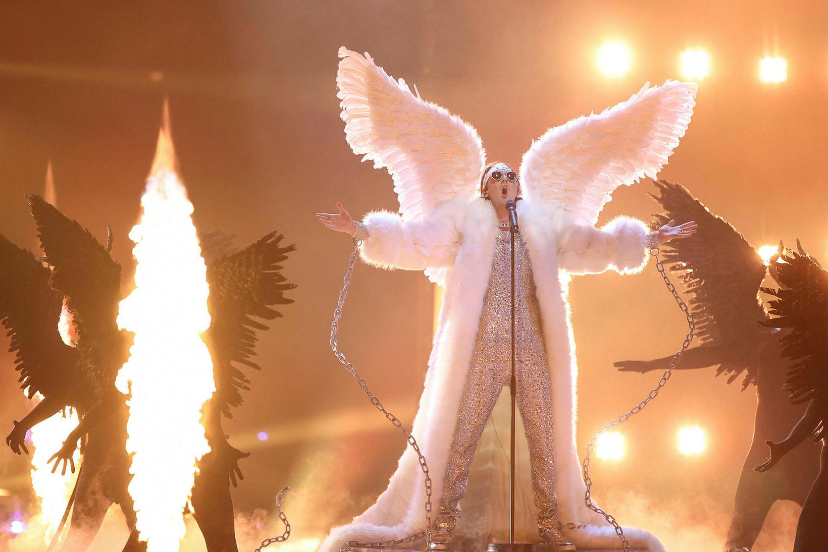 Atriði Norðmanna, lagið Fallen Angel.