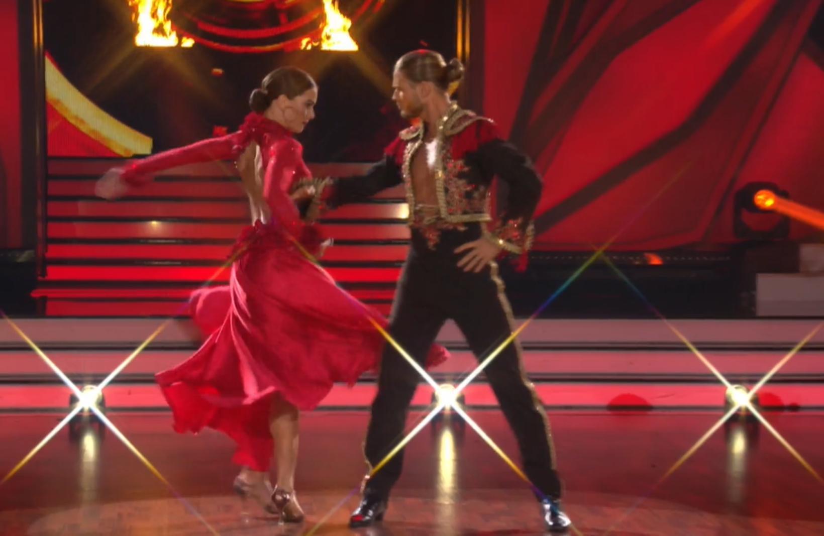 Rúrik og Renata eru glæileg saman á dansgólfinu.