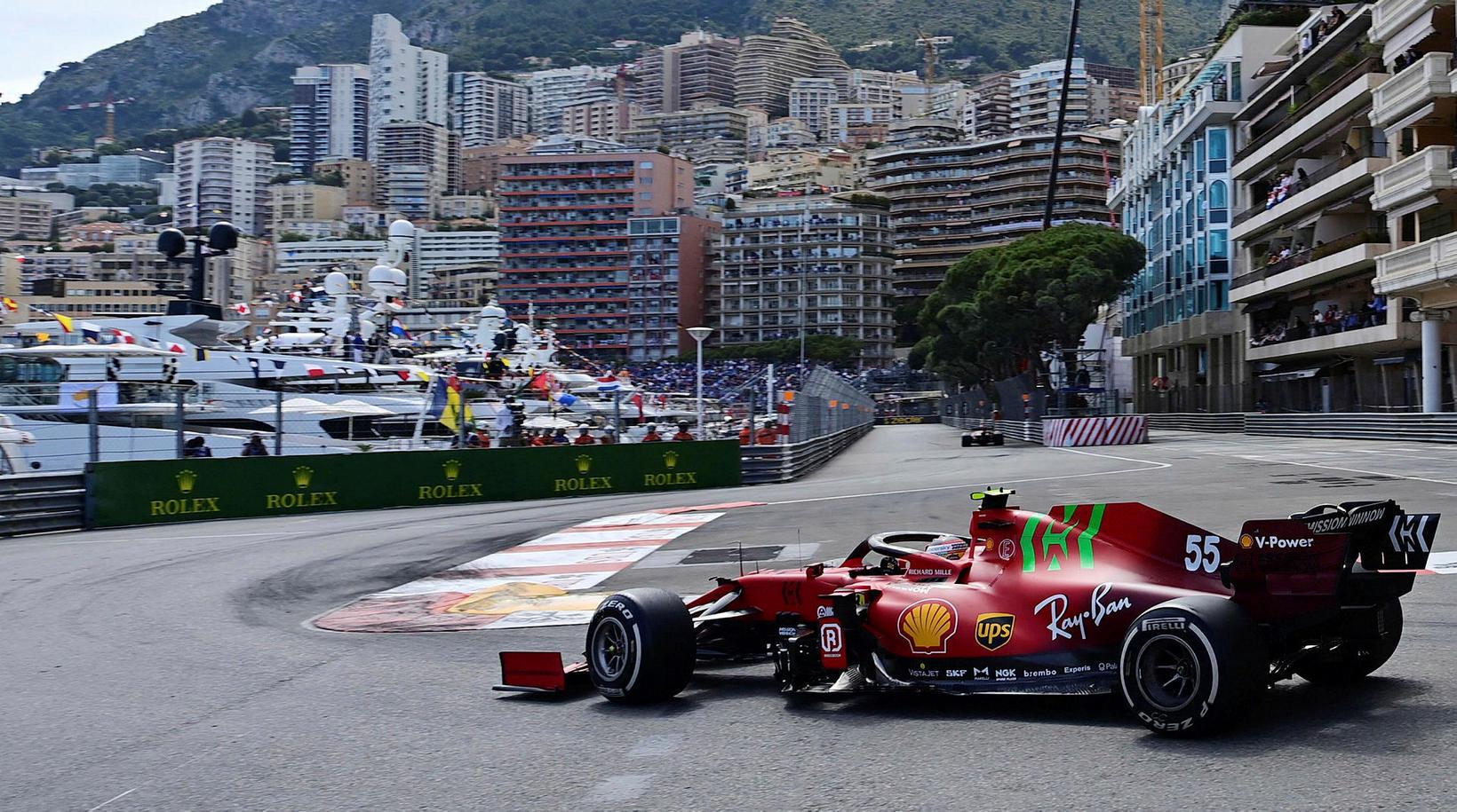 Carlos Sainz ekur Ferrari til annars sætis í Mónakó í …