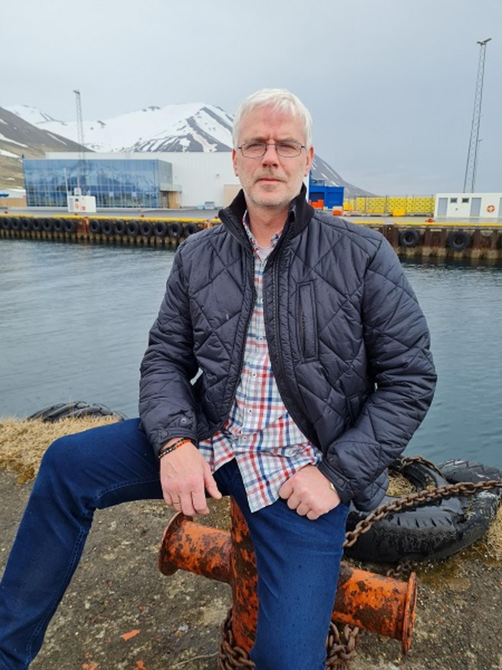 Guðmund Ingvar Guðmundsson.