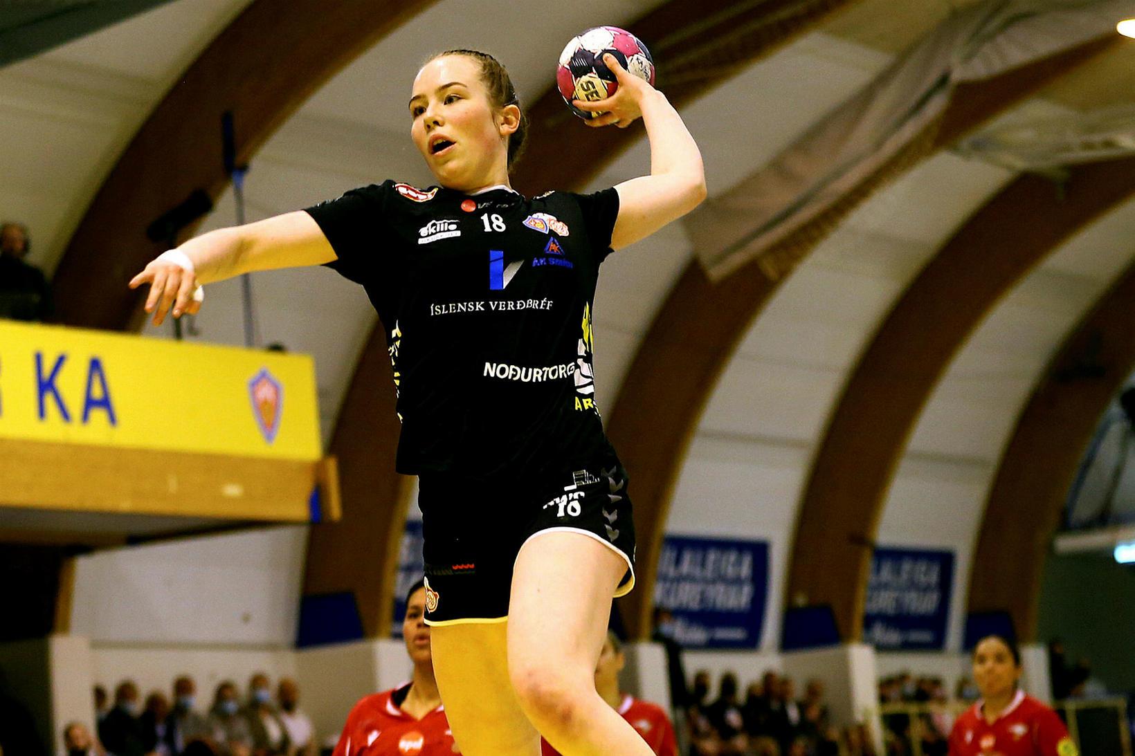 Rakel Sara Elvarsdóttir er ein þeirra sem hefur framlengt samning …