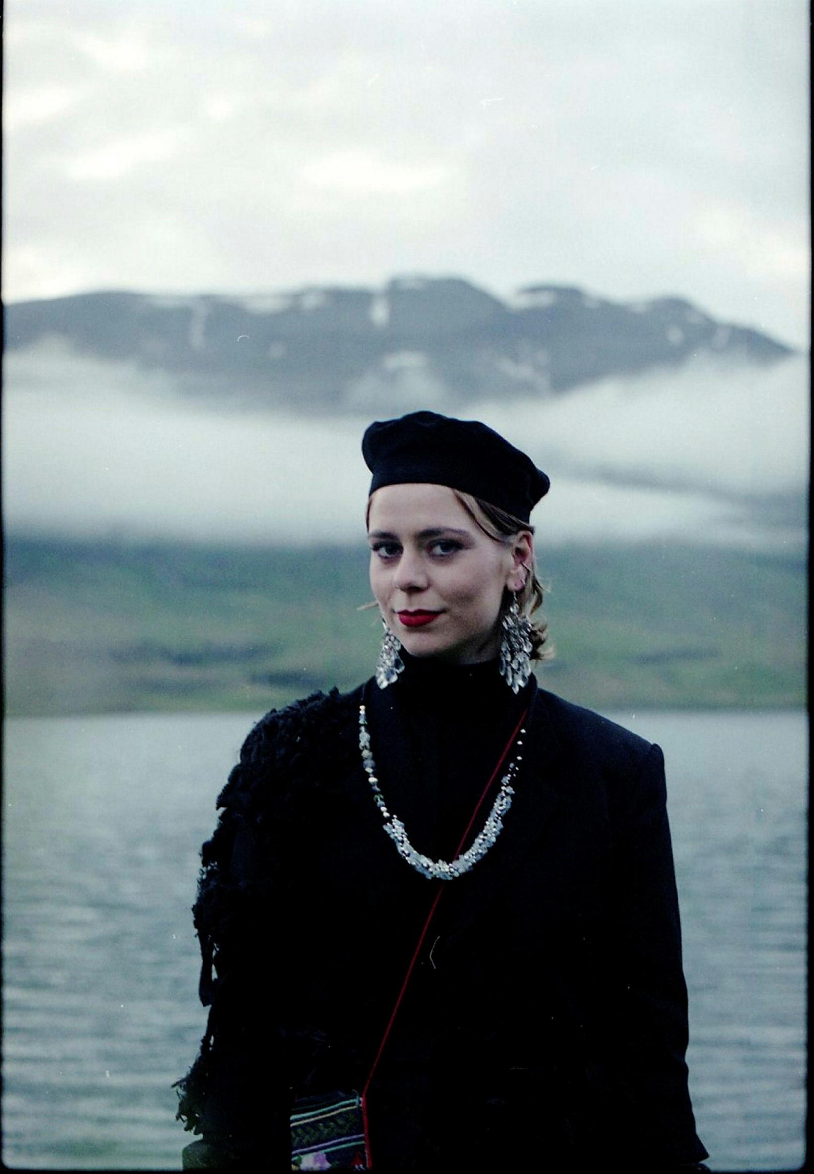 Dragdrottningin Bimini klæddist hönnun Ásu Bríetar á rauða dreglinum.