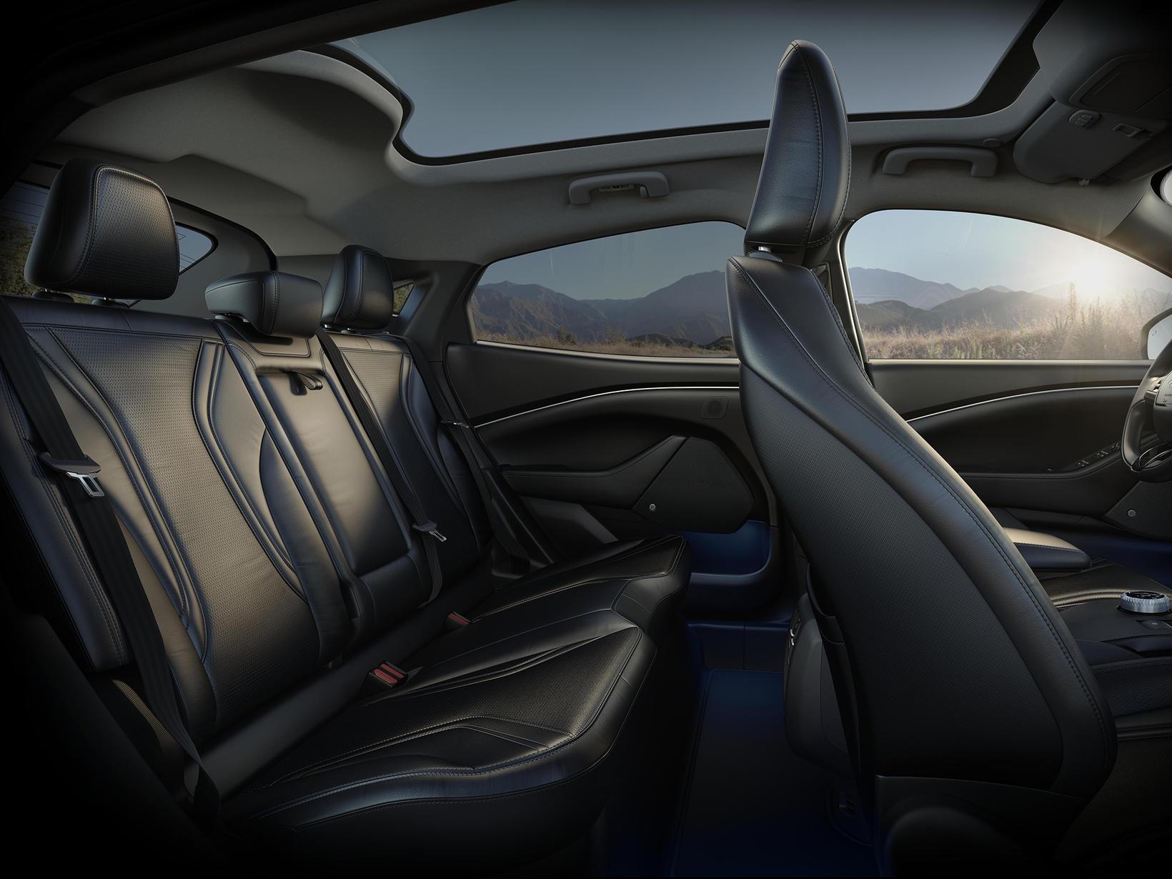 Ford Mustang Mach-E rafbíllinn er lentur á Íslandi.